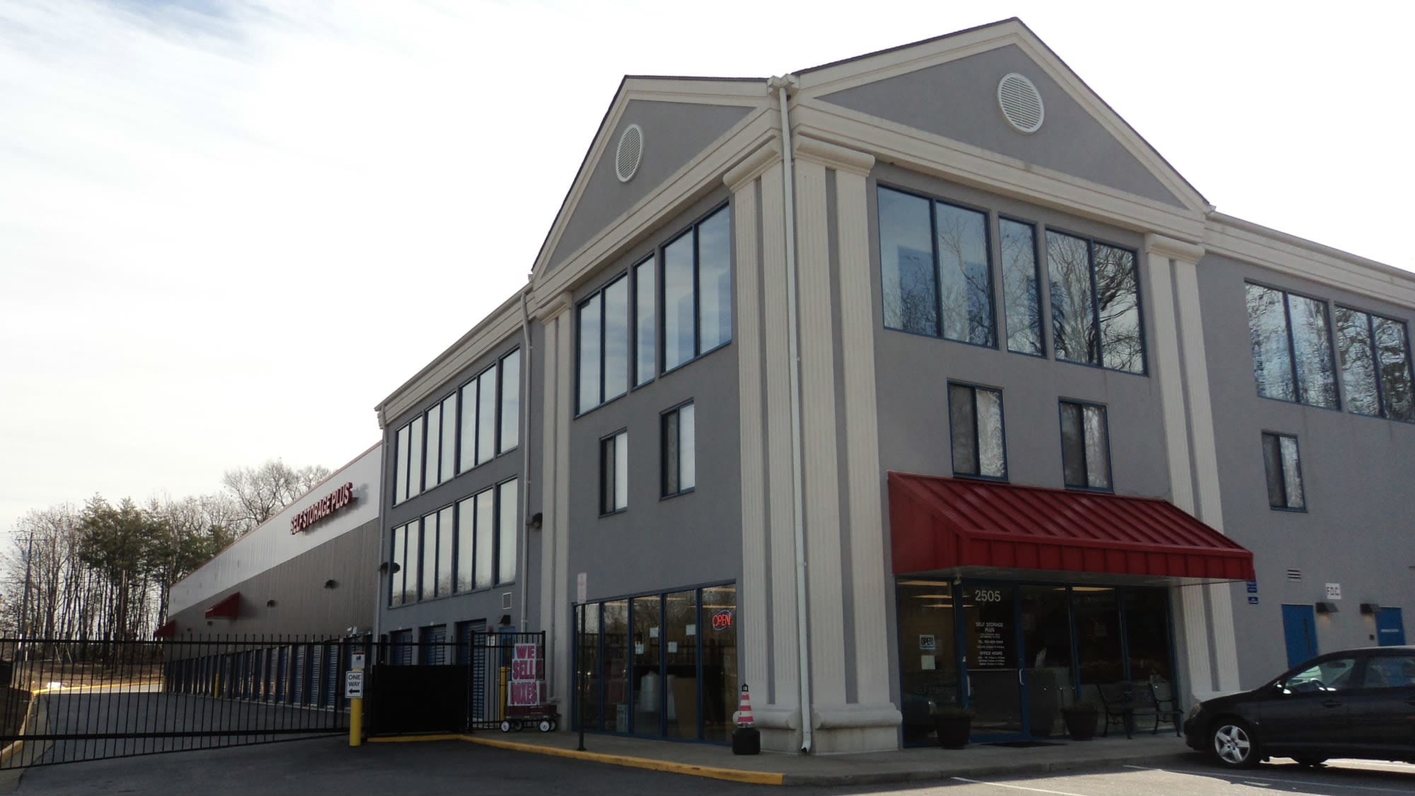 Entrance to Self Storage Plus in Woodbridge, VA