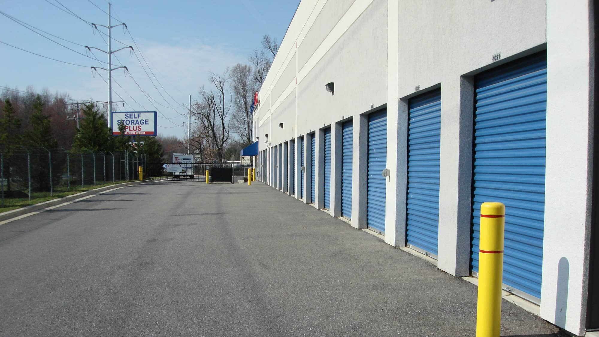 Wide driveways at Self Storage Plus in Gambrills, MD
