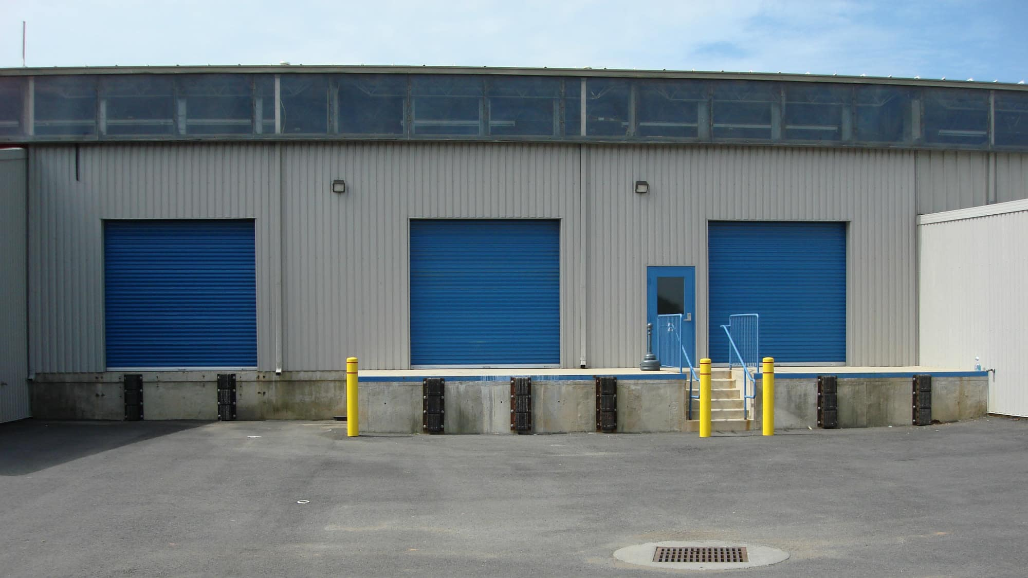 Loading dock at Air and Space Self Storage in Chantilly, VA