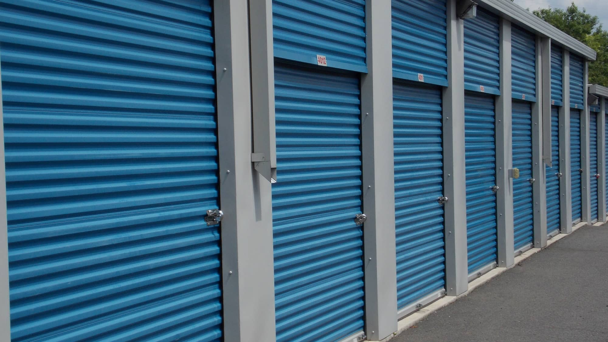 Units with roll-up doors at Air and Space Self Storage in Chantilly, VA