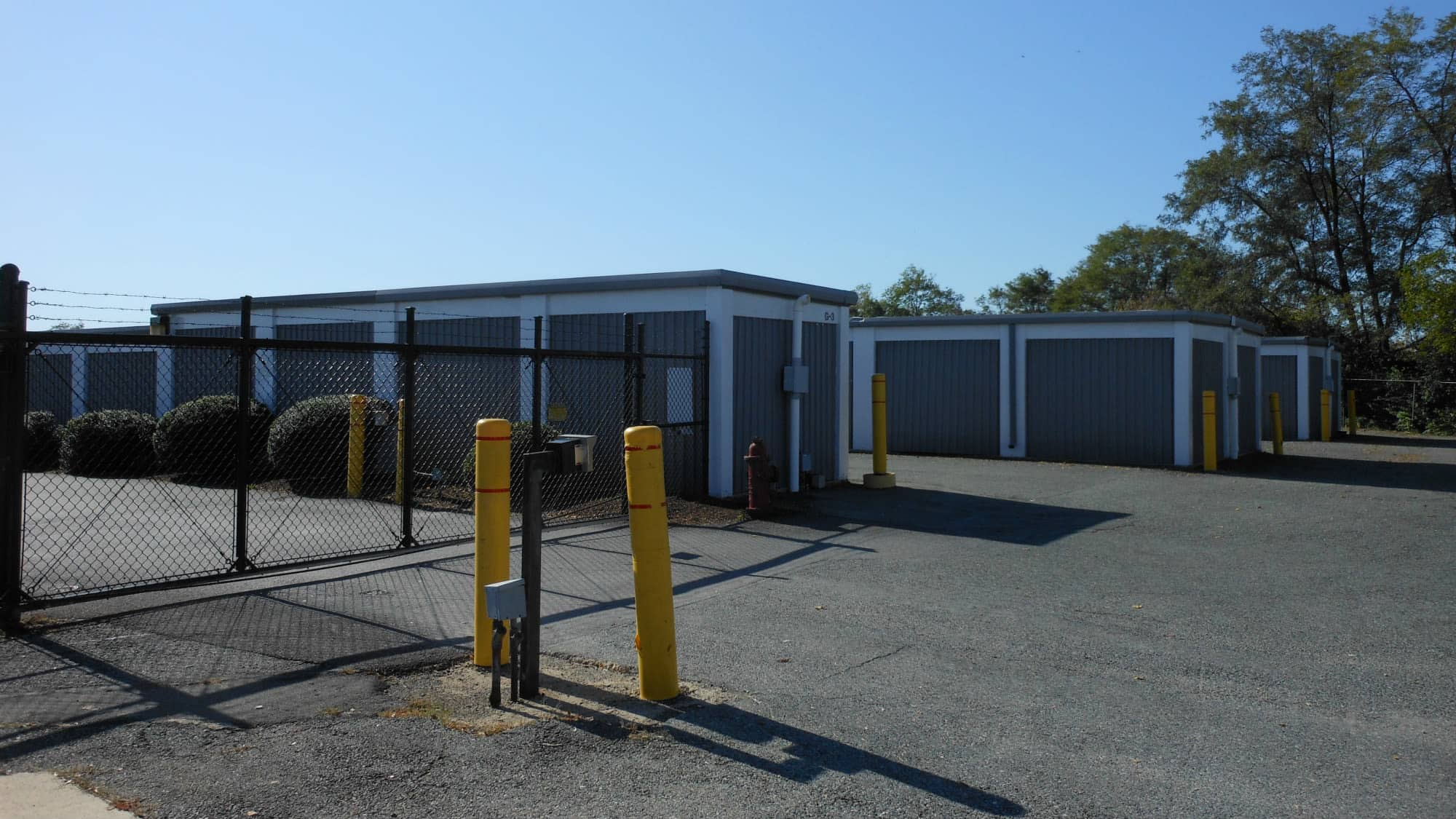 Wide driveways at Self Storage Plus in Alexandria, Virginia