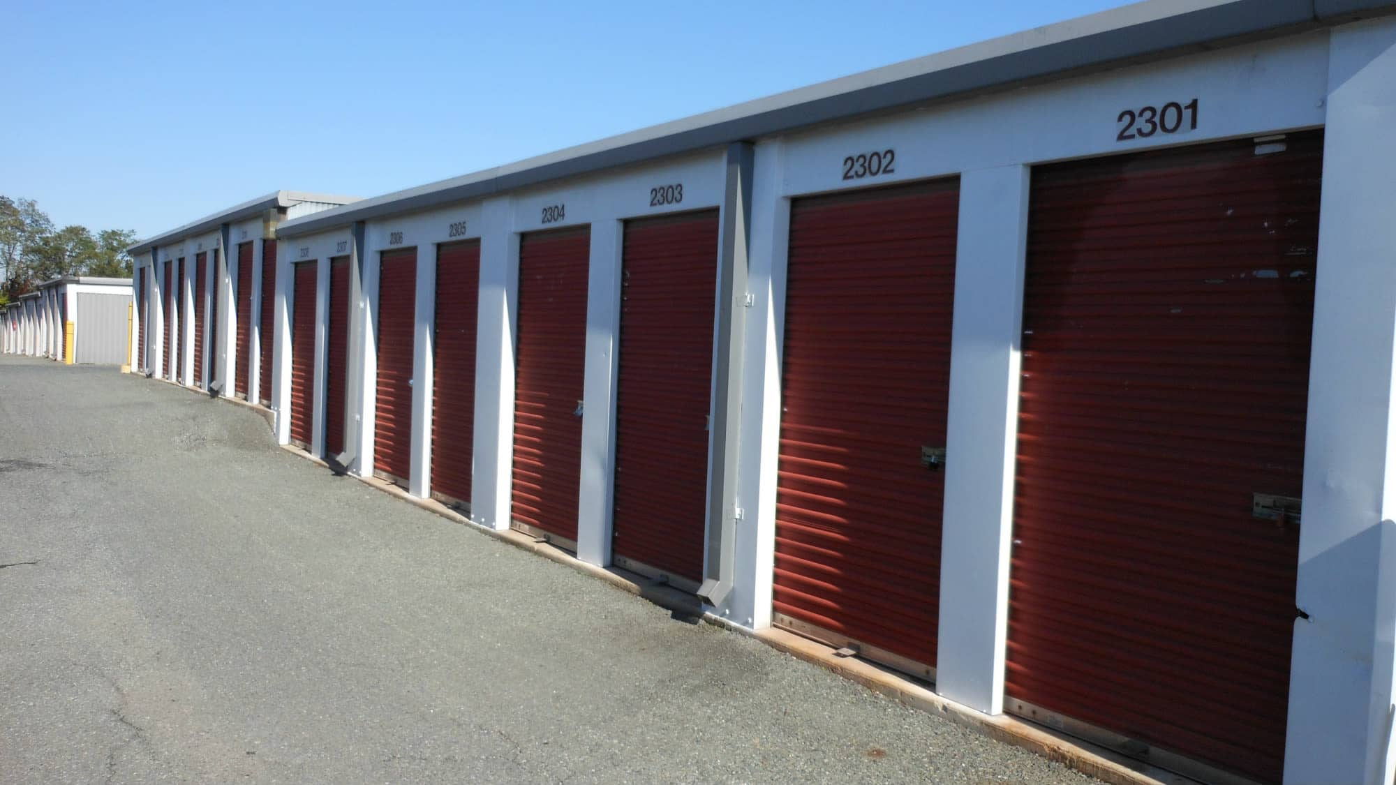 Ground-level units at Self Storage Plus in Alexandria, Virginia