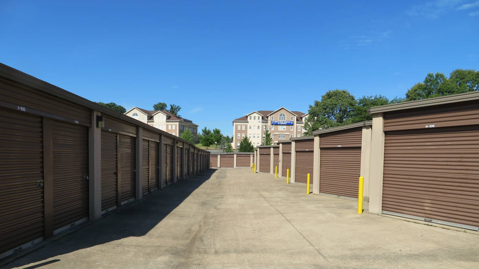 Wide driveways at Triangle Self Storage in Triangle, Virginia