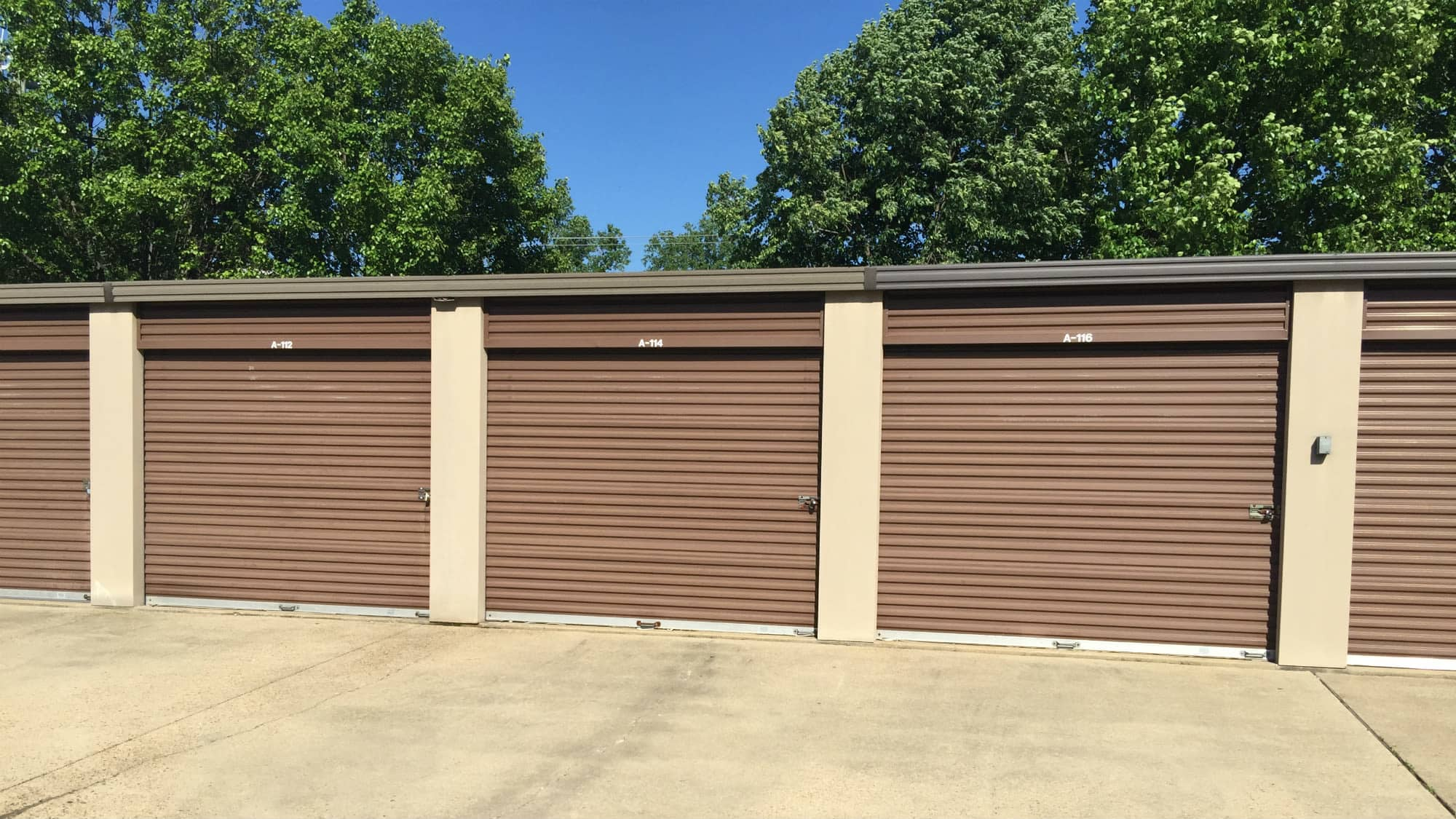 Roll Up Doors At Triangle Self Storage In Triangle, Virginia