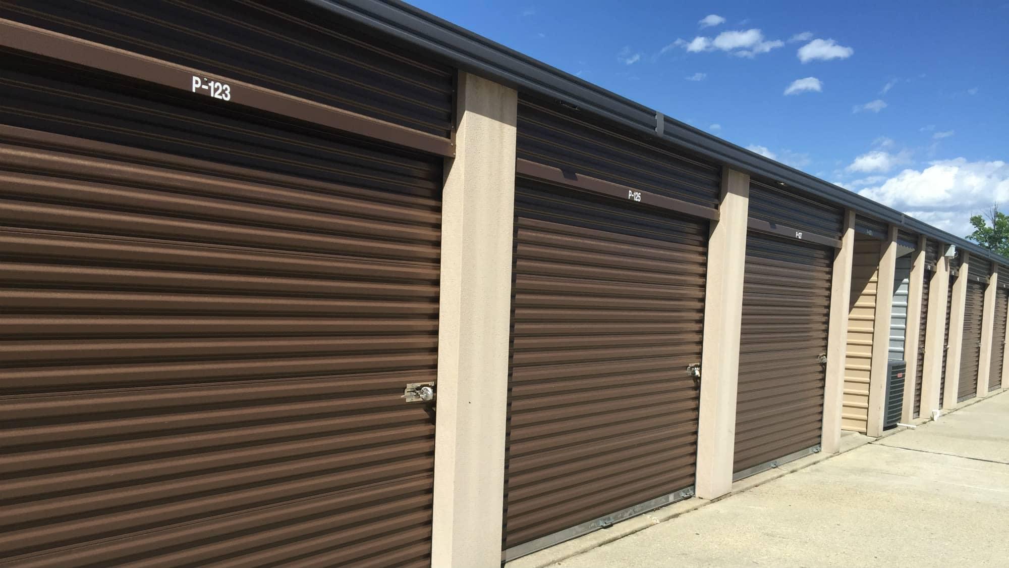 Wide driveways at Westlake Self Storage in Waldorf, MD