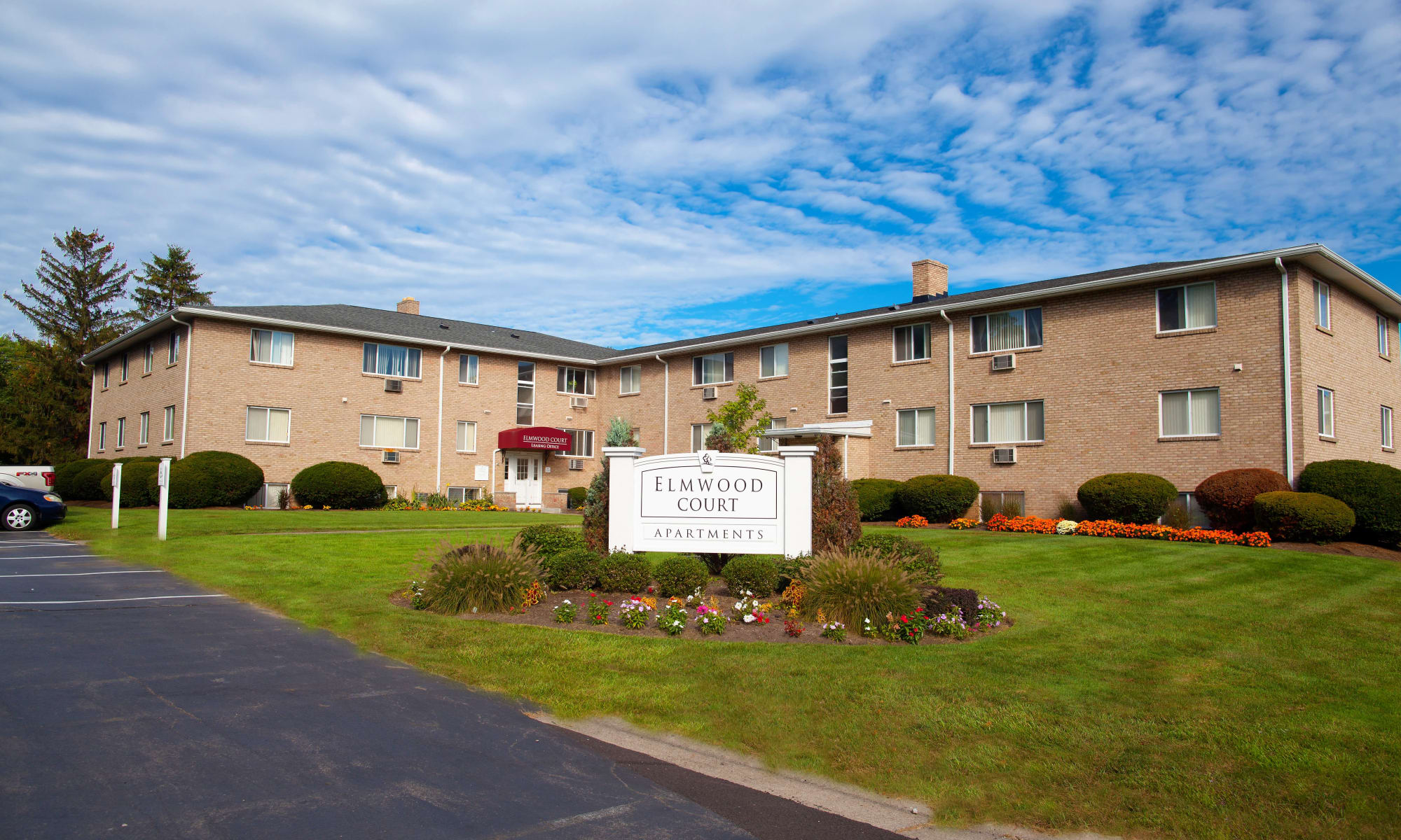 Rochester Ny Apartments For Rent In Brighton Elmwood Court Apartments