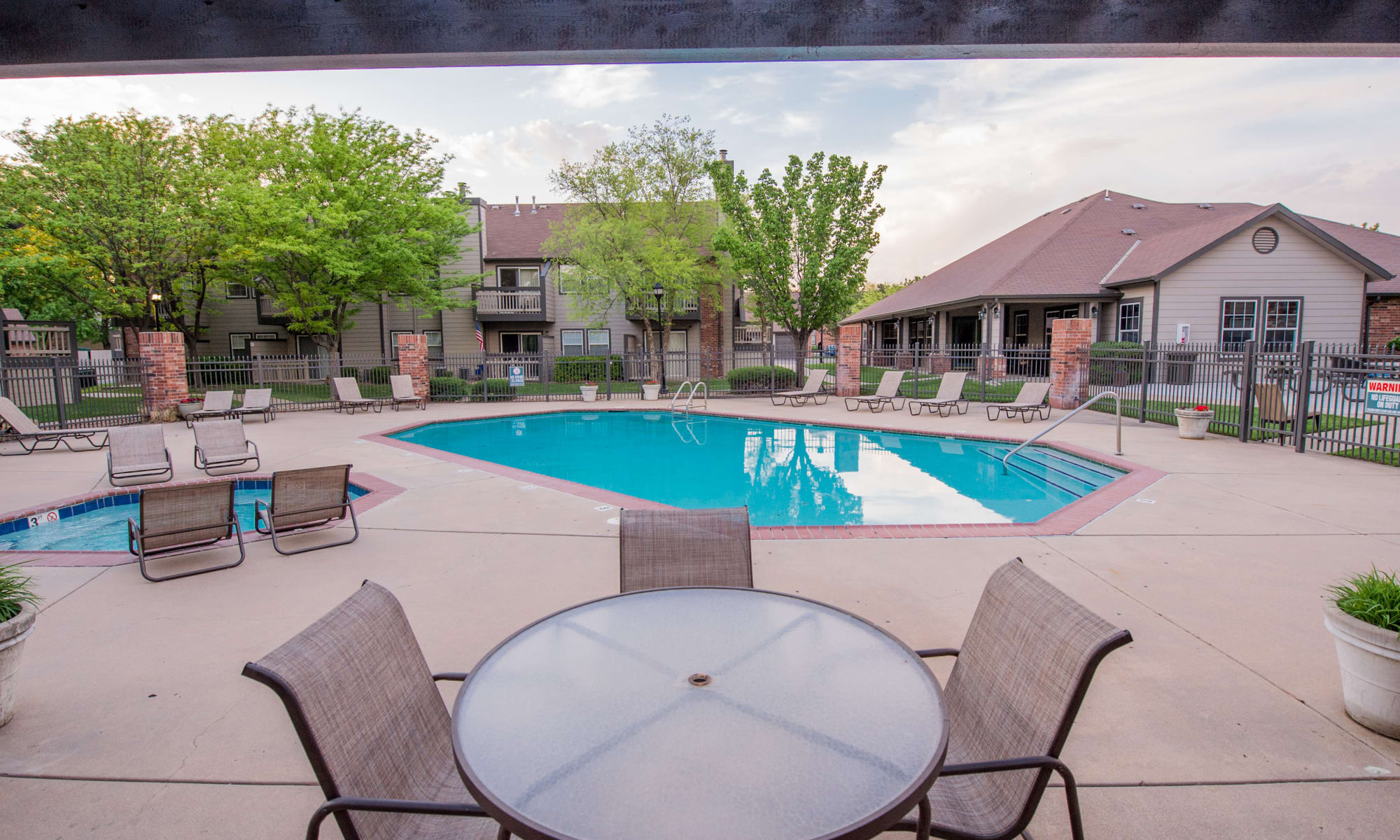 Huntington Park Apartments Swimming Pool in Wichita