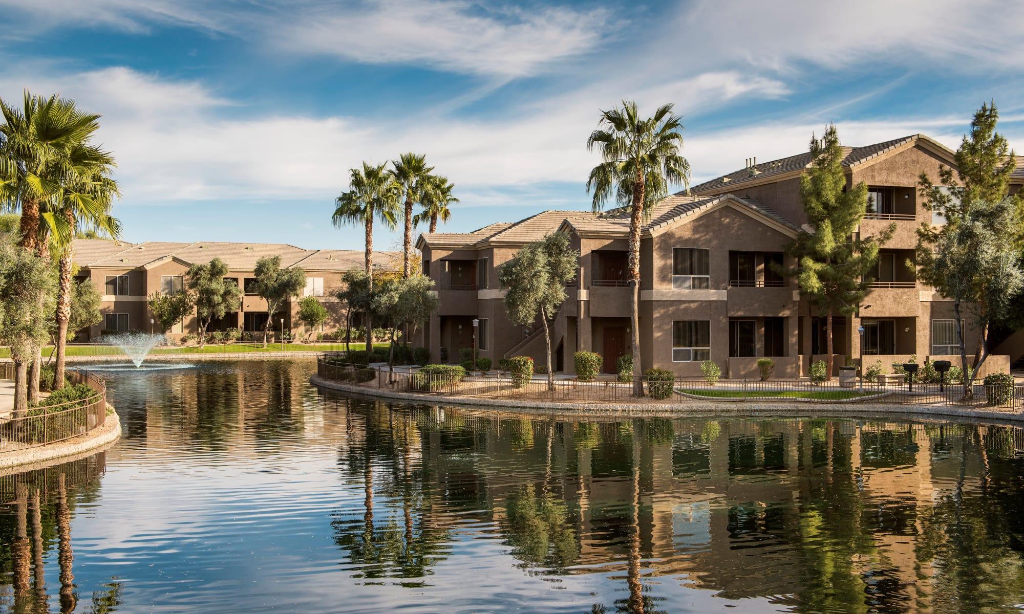 Apartments in Glendale, Arizona, at Laguna at Arrowhead Ranch