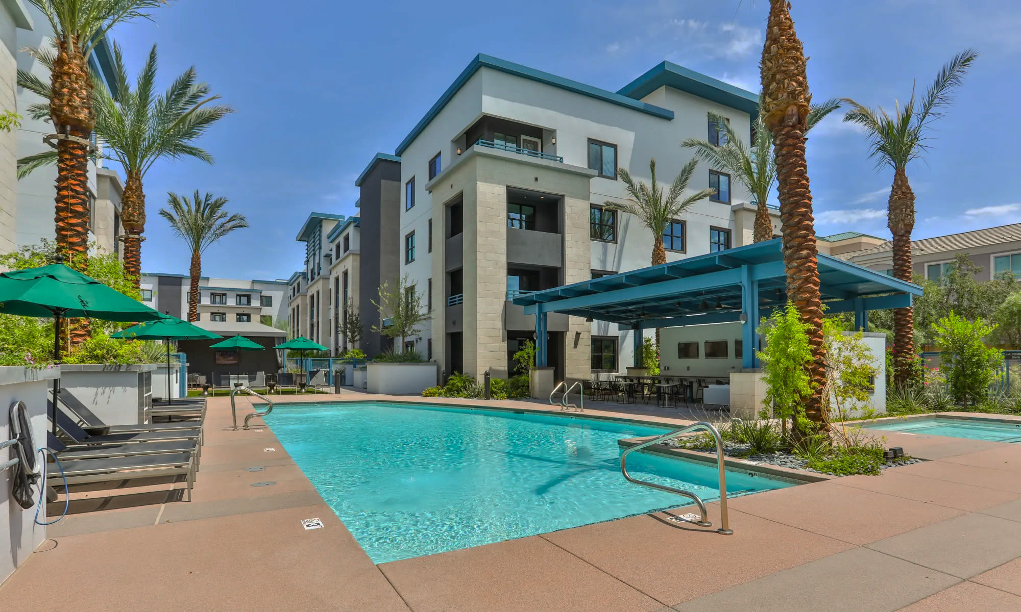 Luxury swimming pool at Lakeside Drive Apartments in Tempe, Arizona
