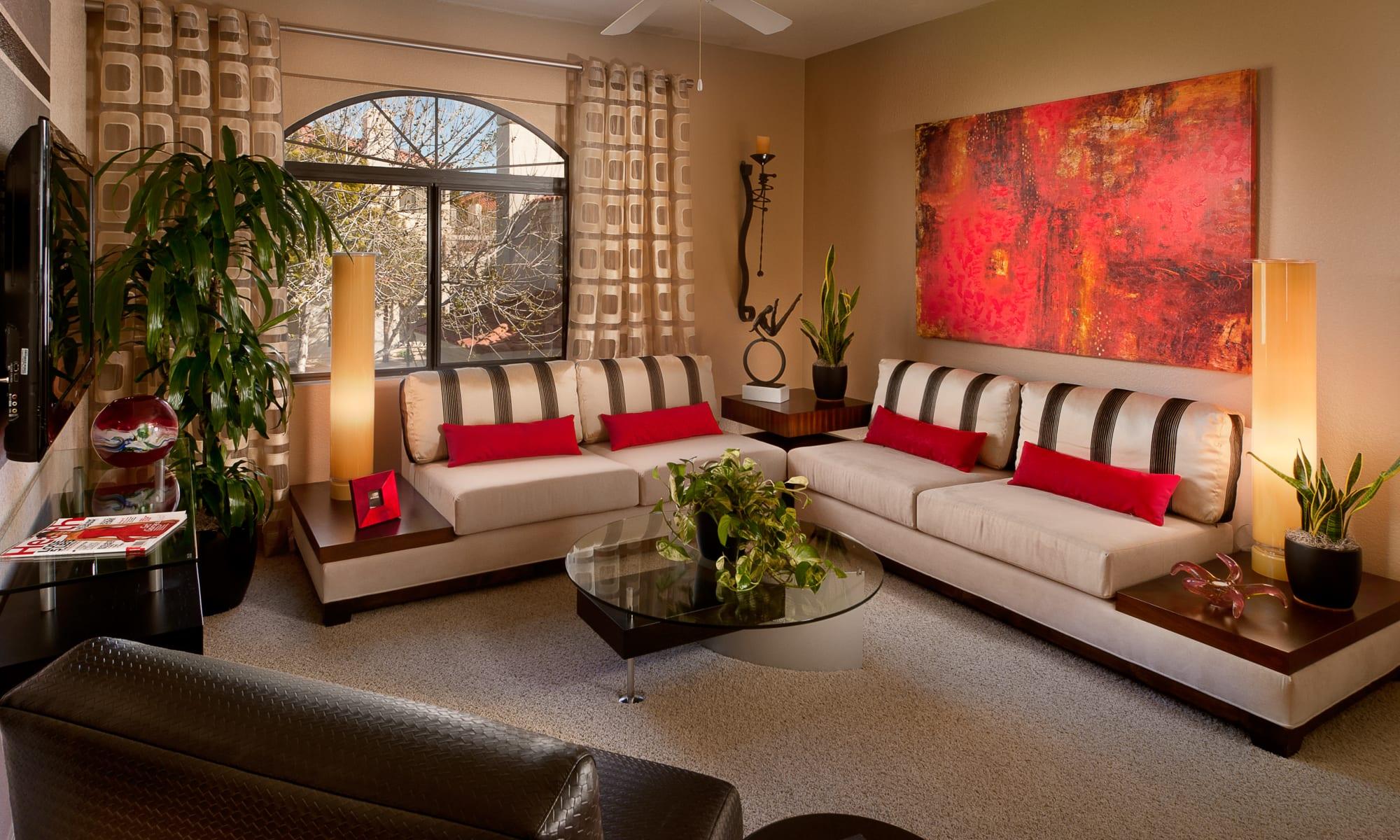 South Tempe, AZ Apartments in Maricopa County | San Palmilla