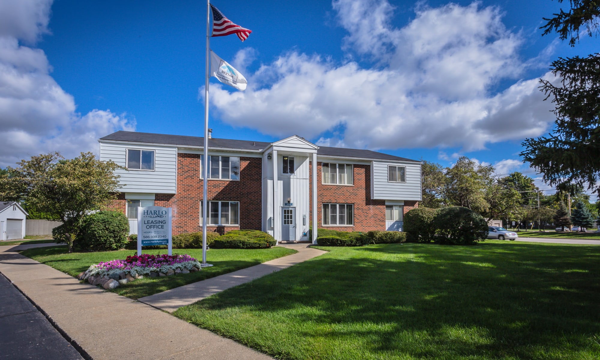 Apartments at Harlo Apartments in Warren, Michigan