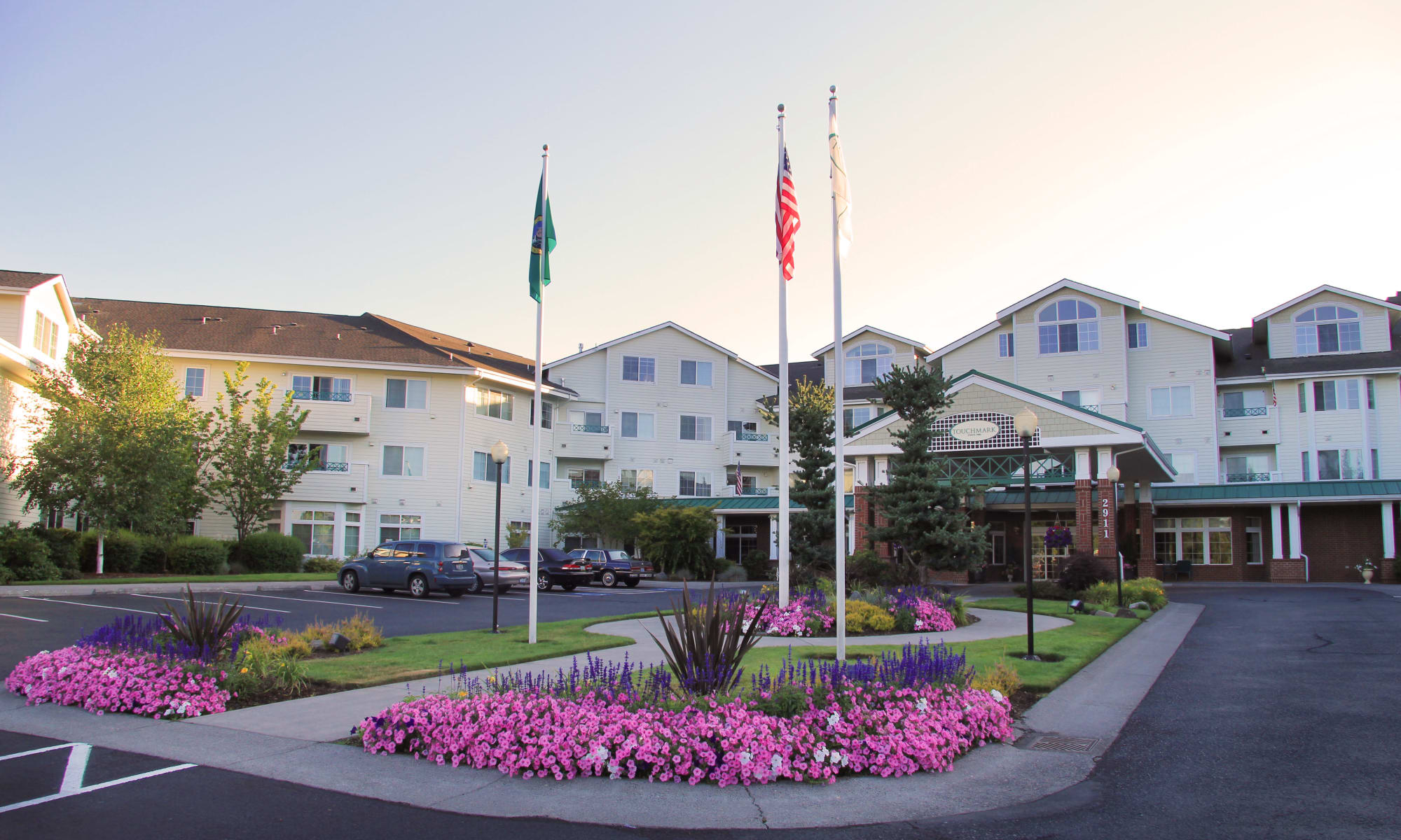 The building exterior and main entrance at Touchmark at Fairway Village in Vancouver, Washington