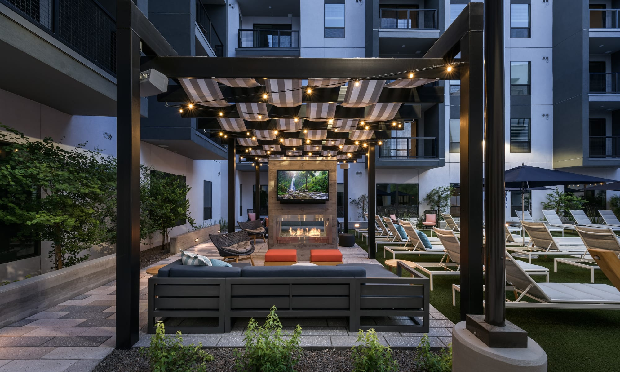 Apartments at The Astor at Osborn in Phoenix, Arizona