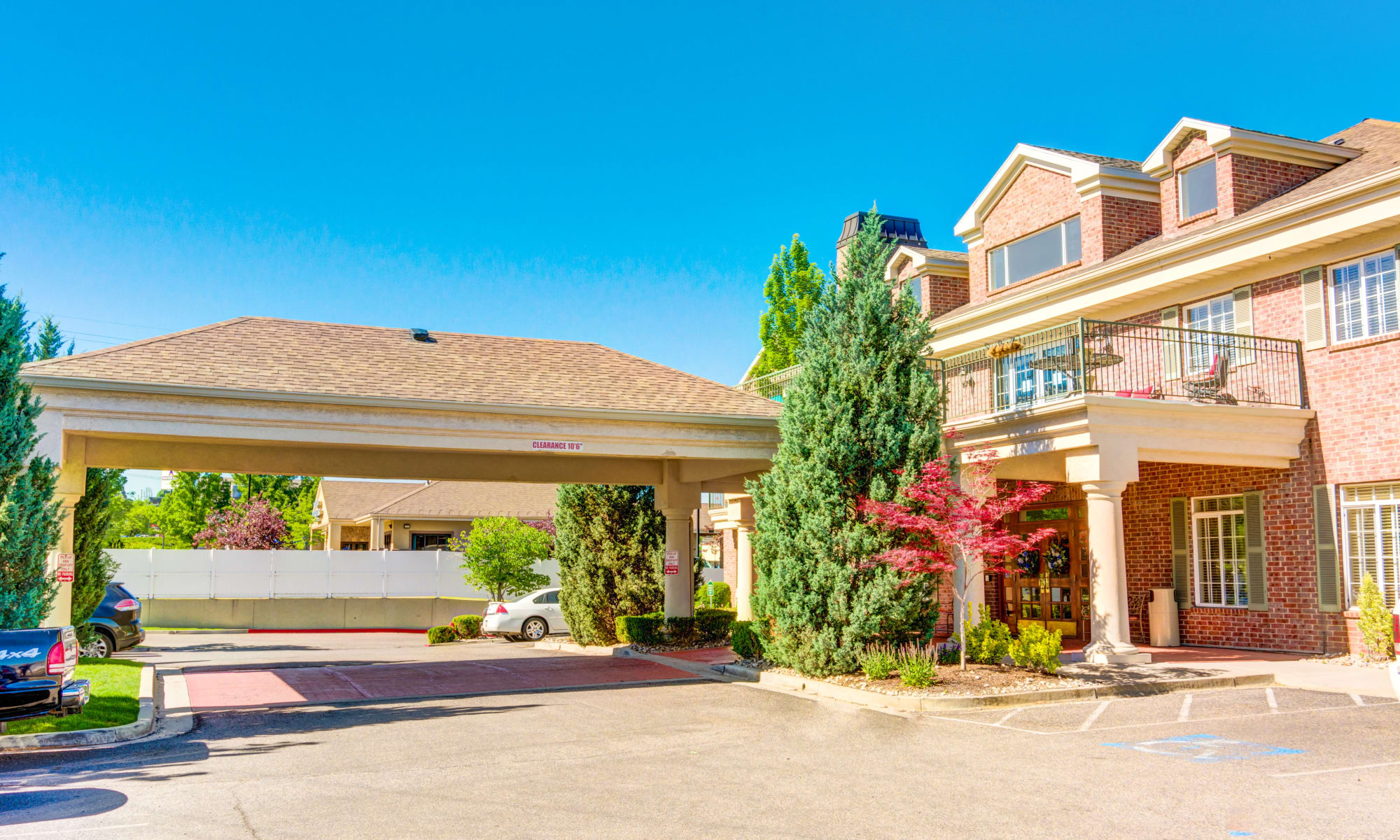 Senior living at The Wentworth at Coventry in Salt Lake City, Utah