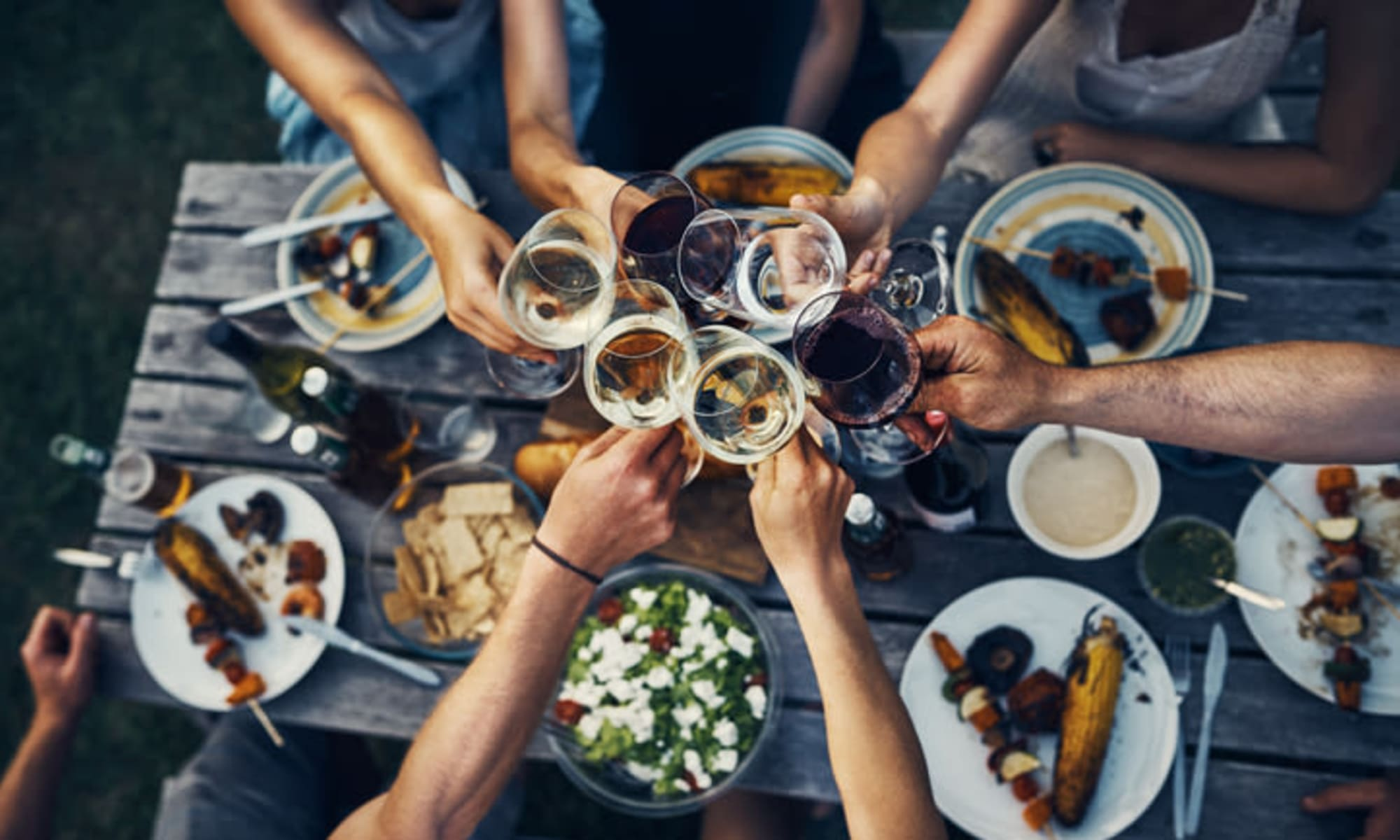 Friends enjoying beverages in Dallas, Georgia near Ten68 West