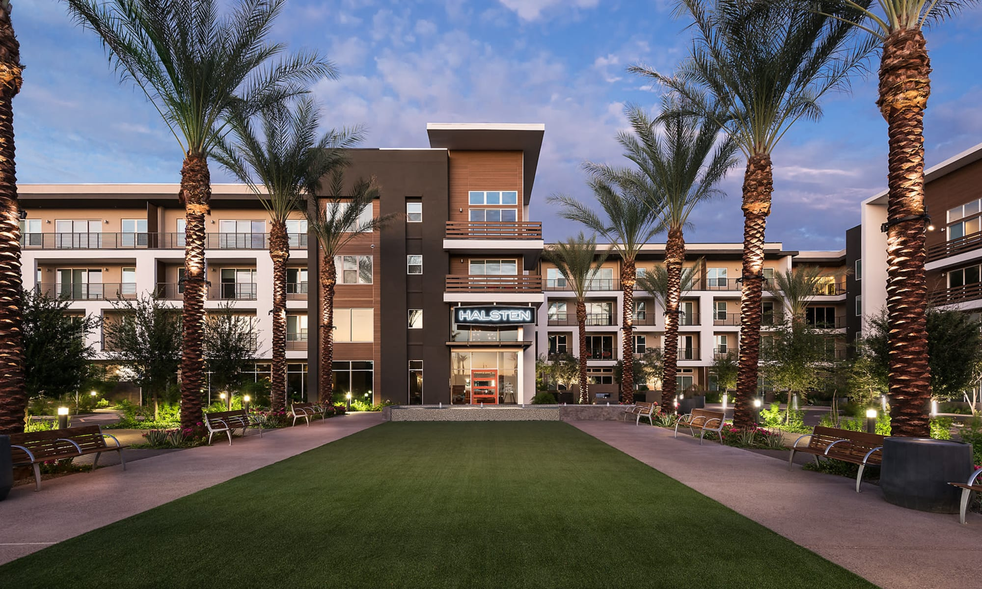 Courtyard at The Halsten at Chauncey Lane in Scottsdale, Arizona