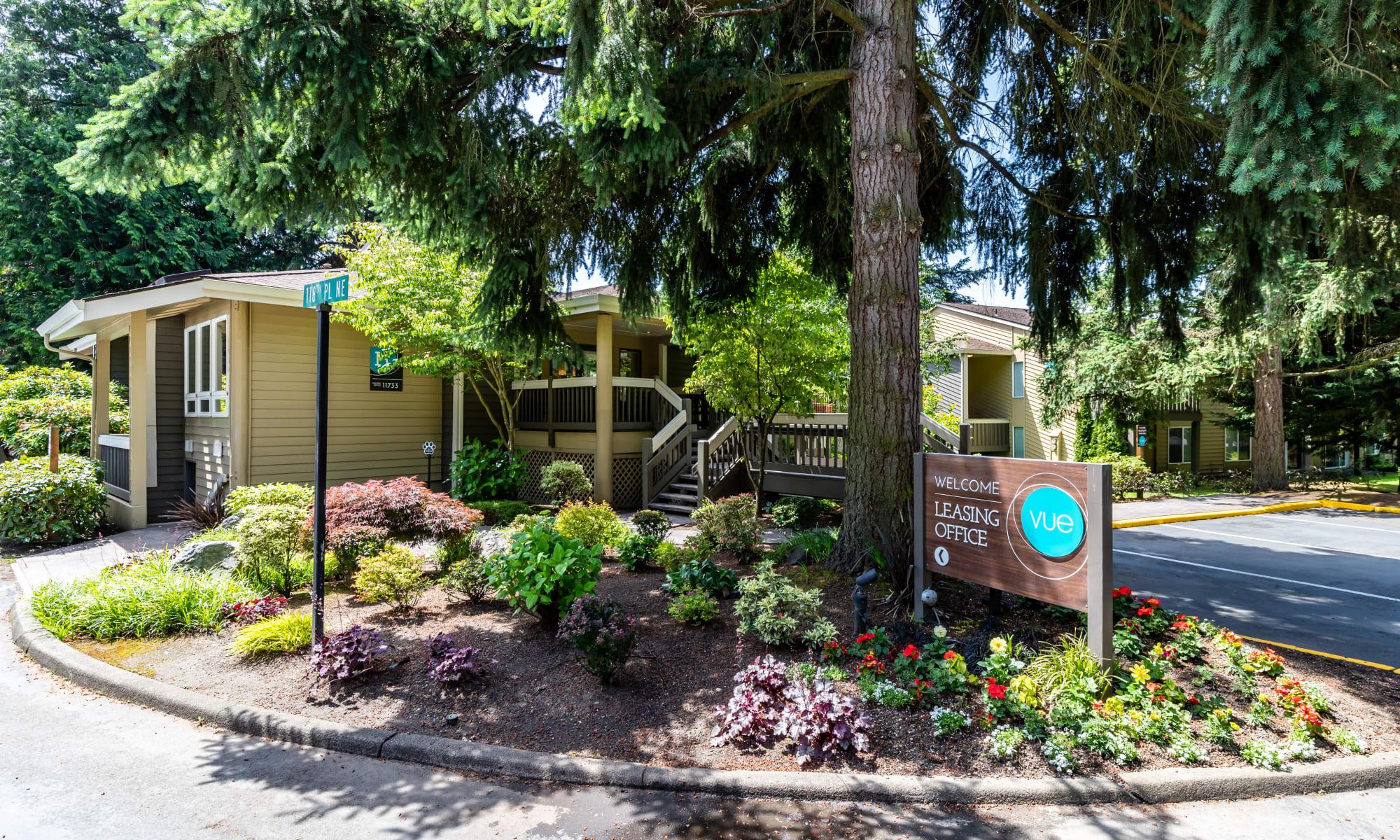 Apply at Vue Kirkland Apartments in Kirkland, Washington