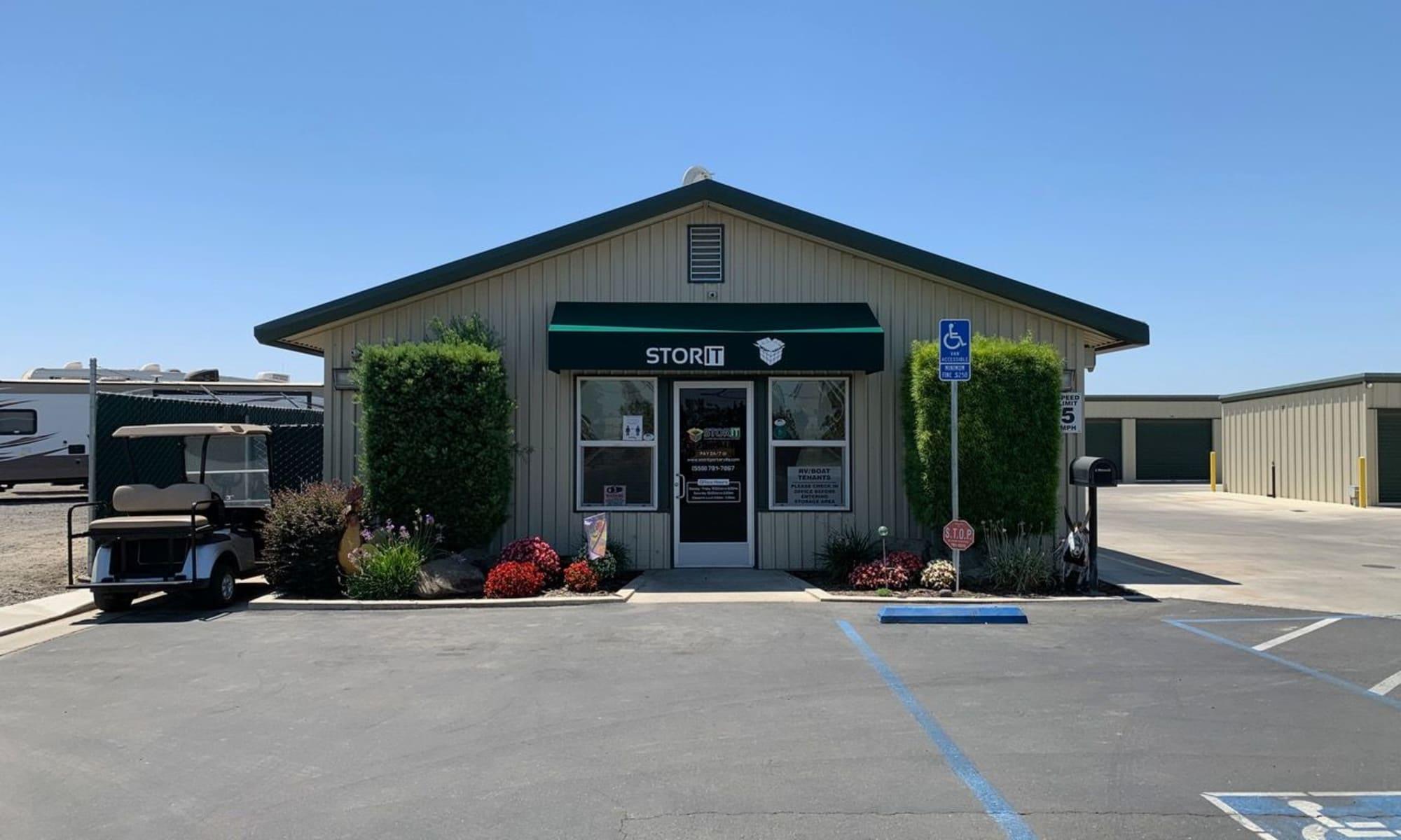 Self storage in Porterville CA