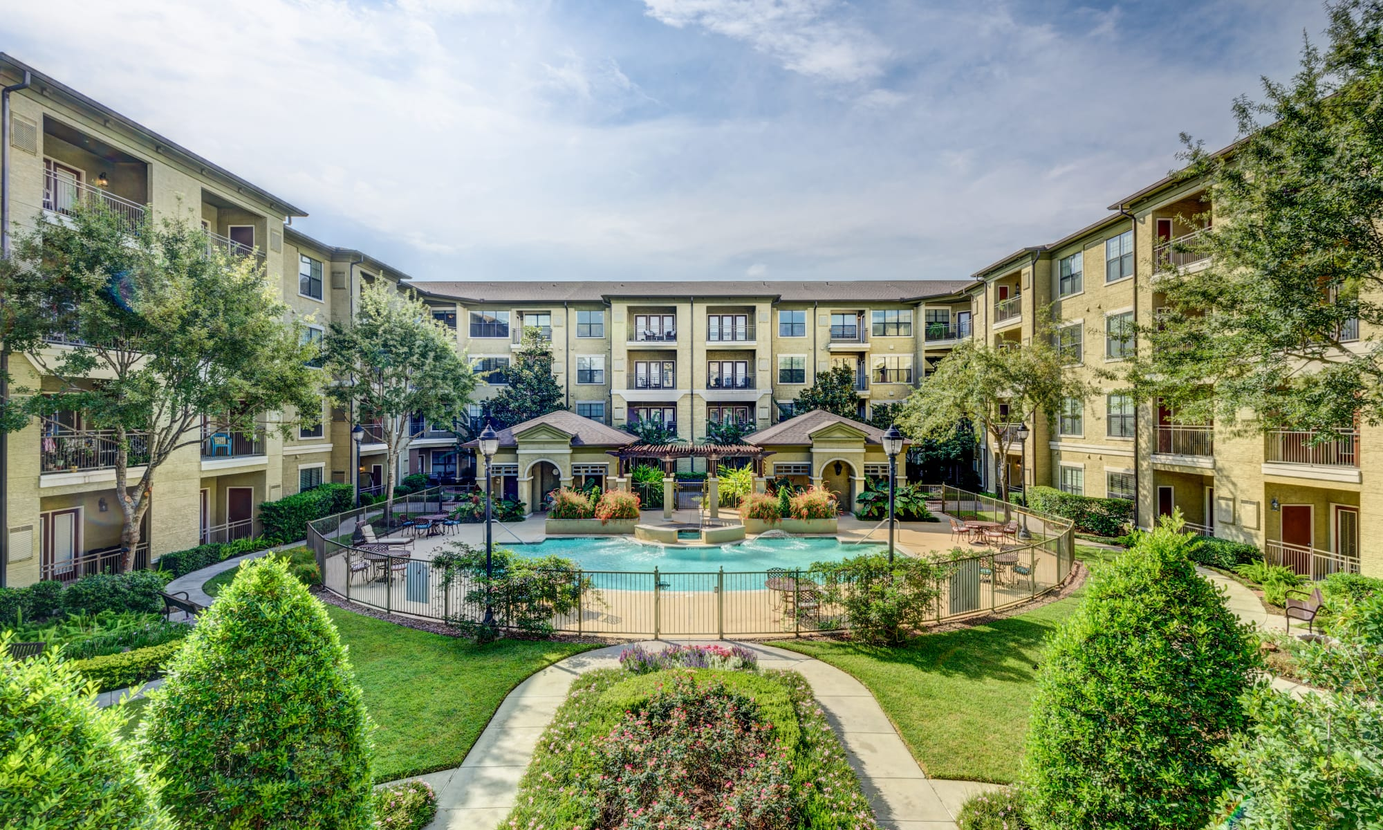 Save up to $6,500 on all-inclusive senior living