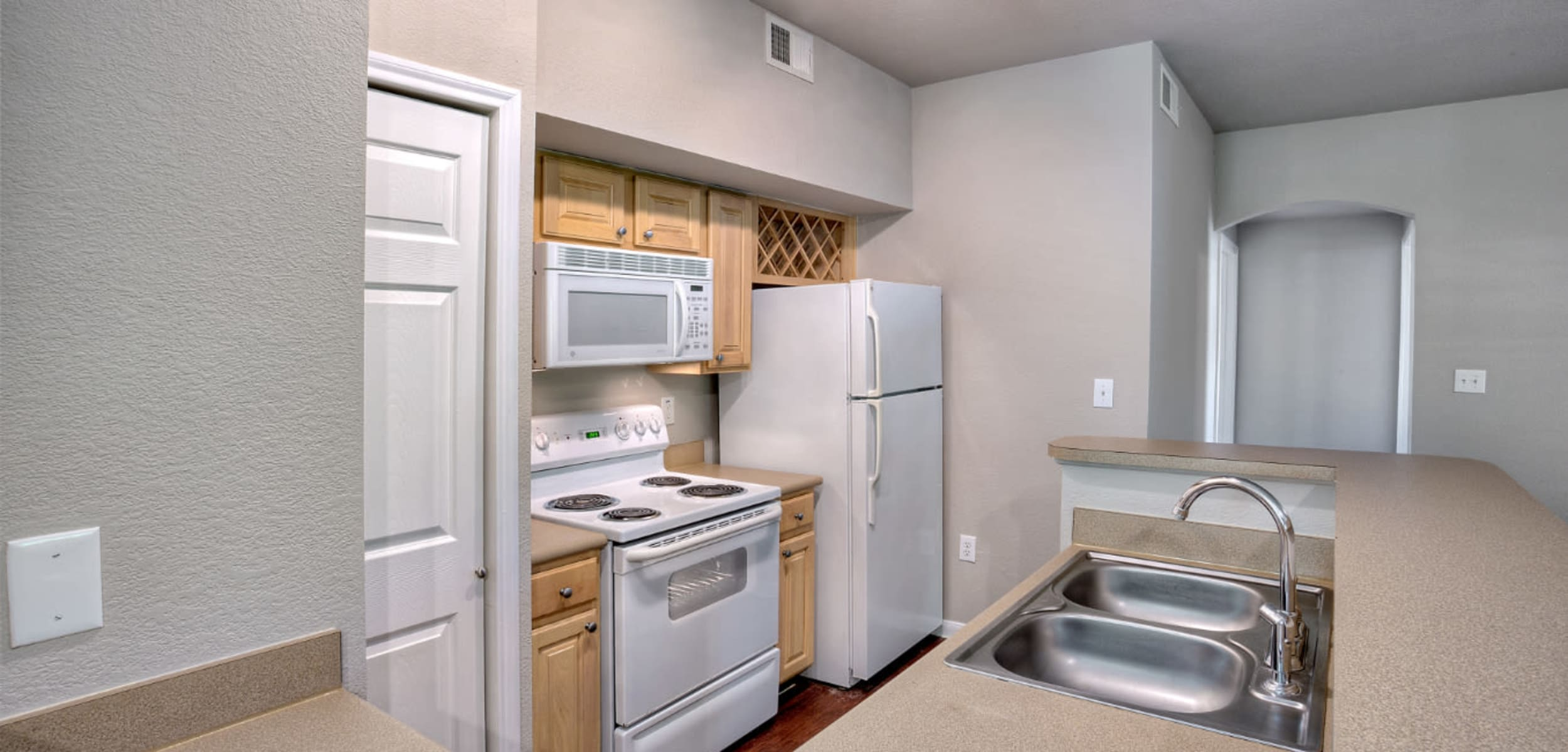 Modern, sleek kitchen at Marquis Bandera in San Antonio, Texas