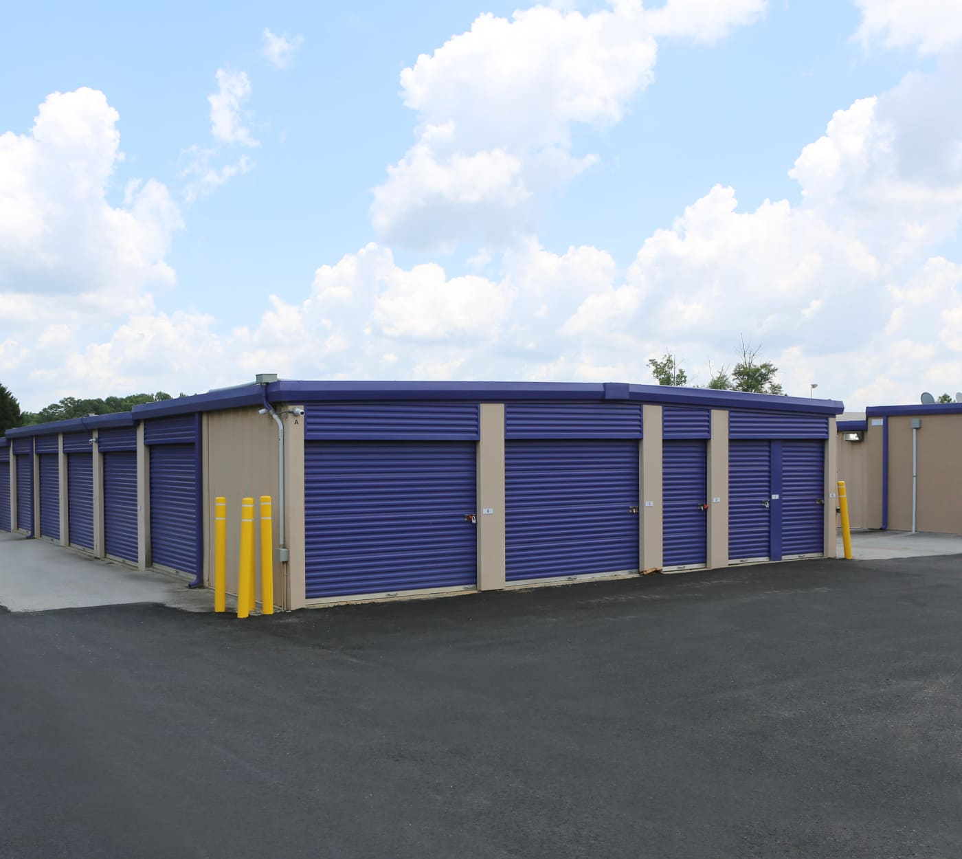 Ground-floor units at StoreSmart Self-Storage in Loganville, Georgia