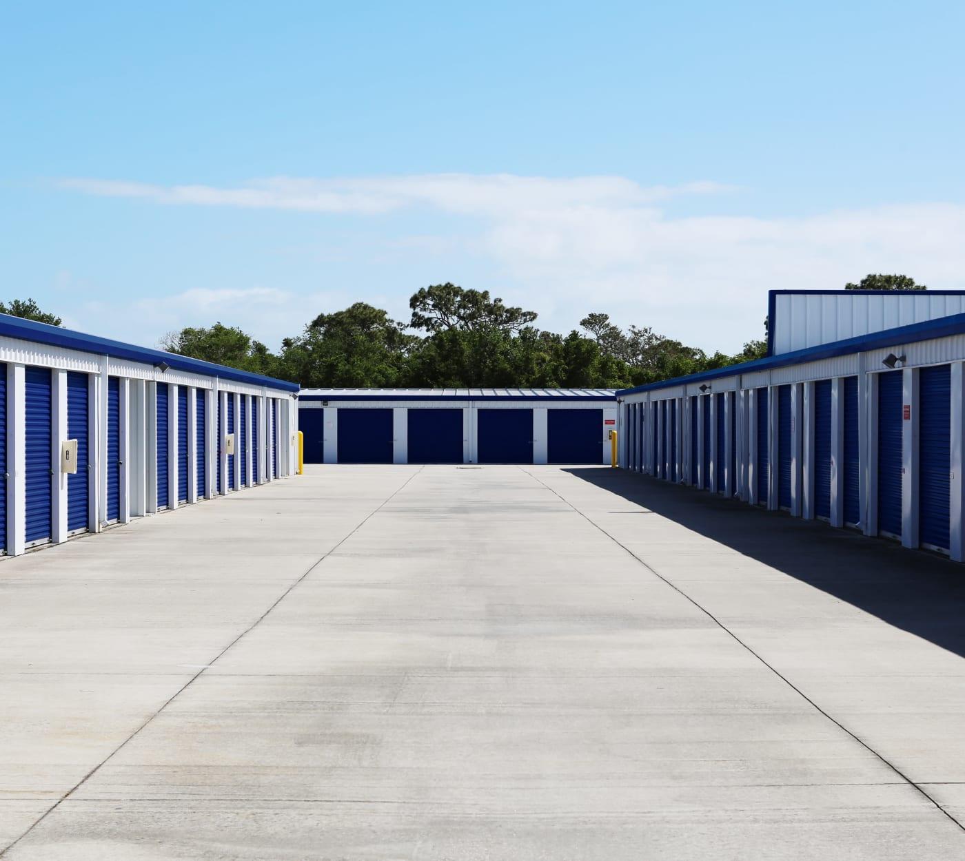 Large driveway at Midgard Self Storage in Melbourne, Florida