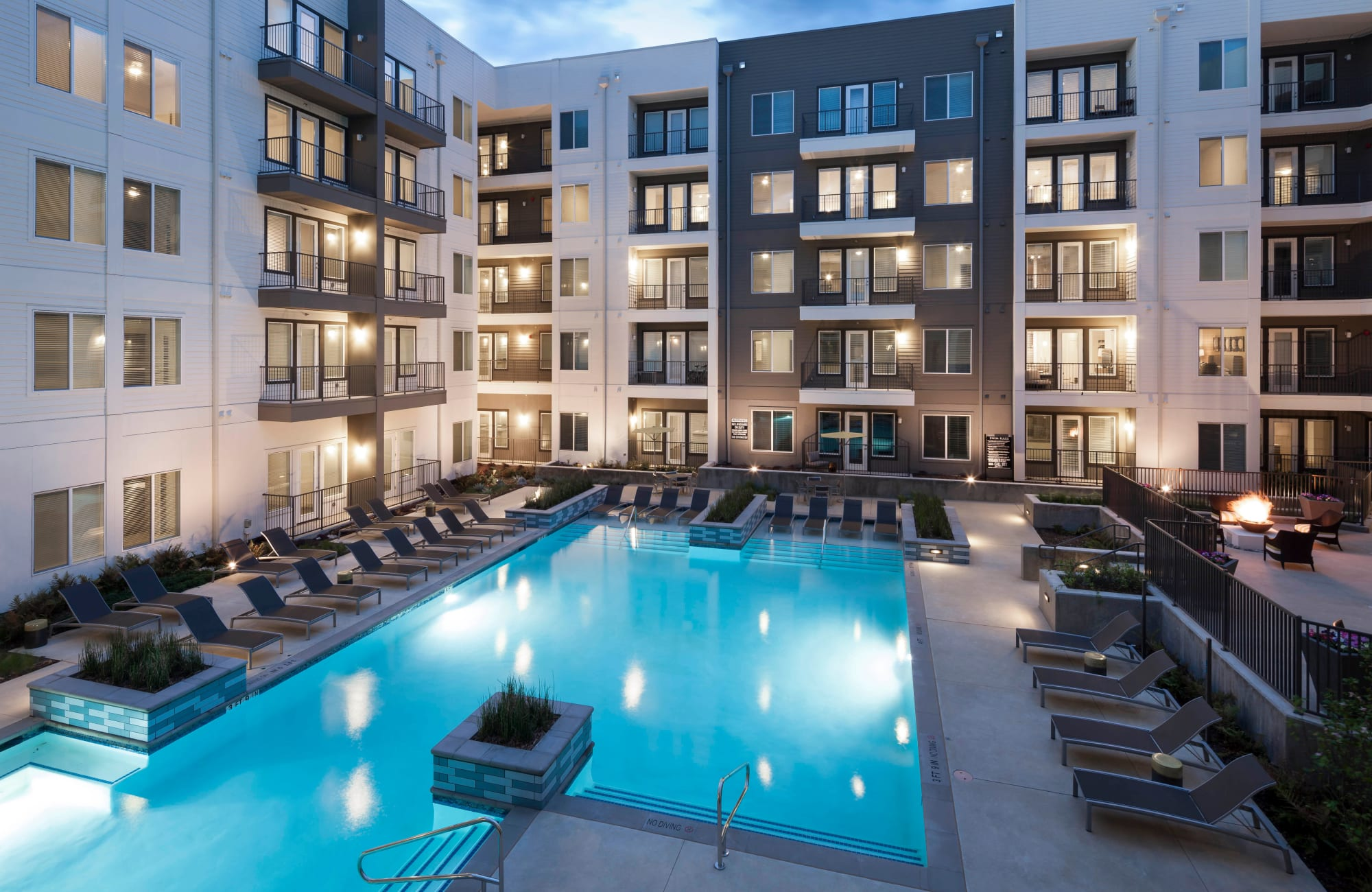 Apartments at Axis 110 in Richardson, Texas