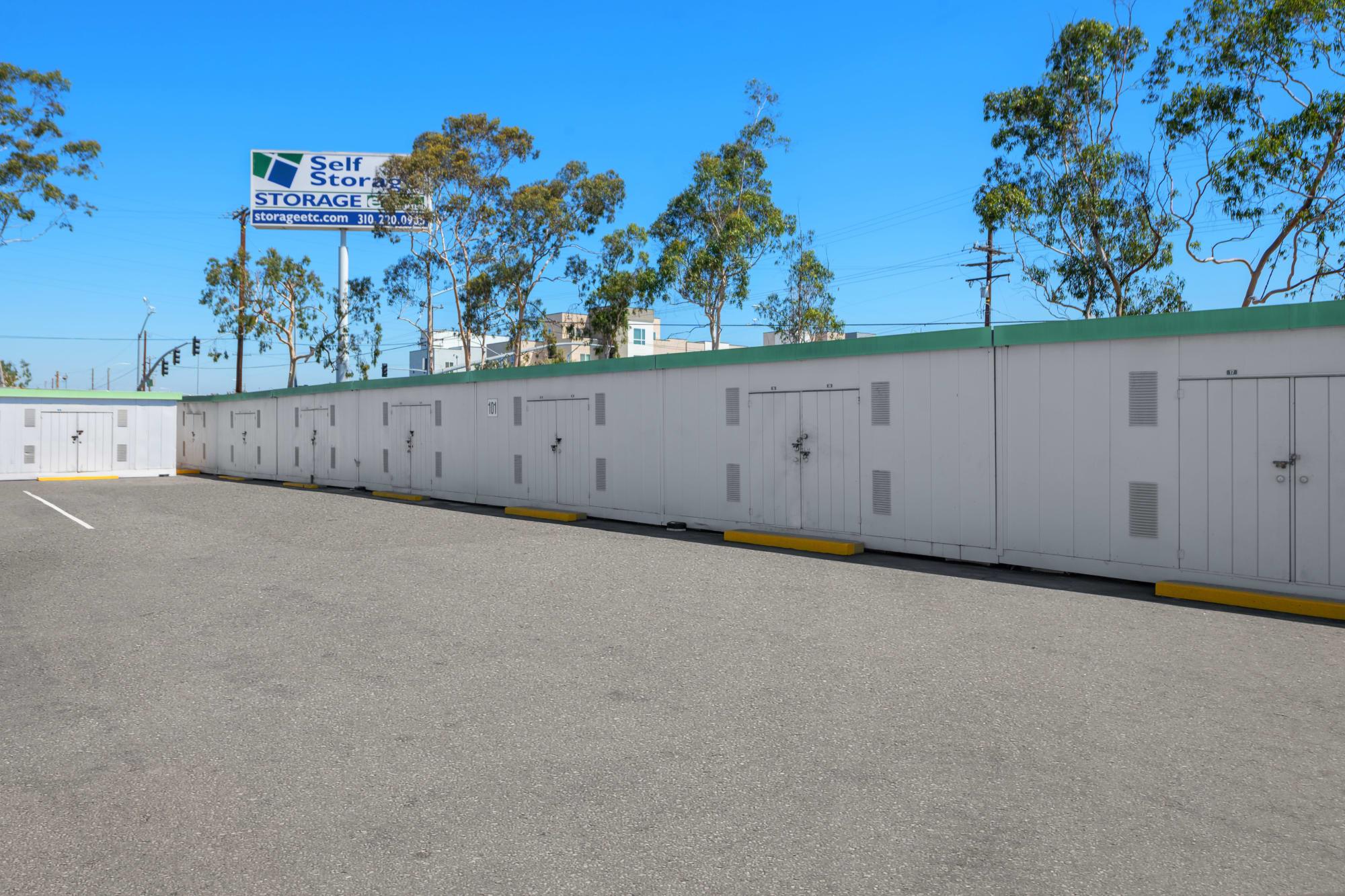 Self storage in Carson CA