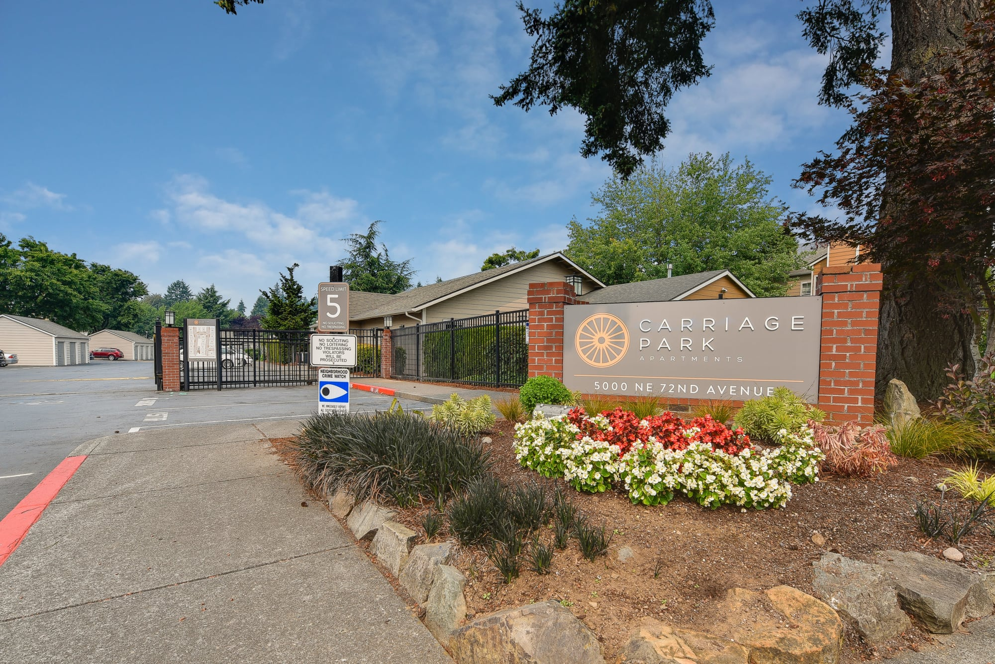 The front monument sign at Carriage Park Apartments in Vancouver, Washington
