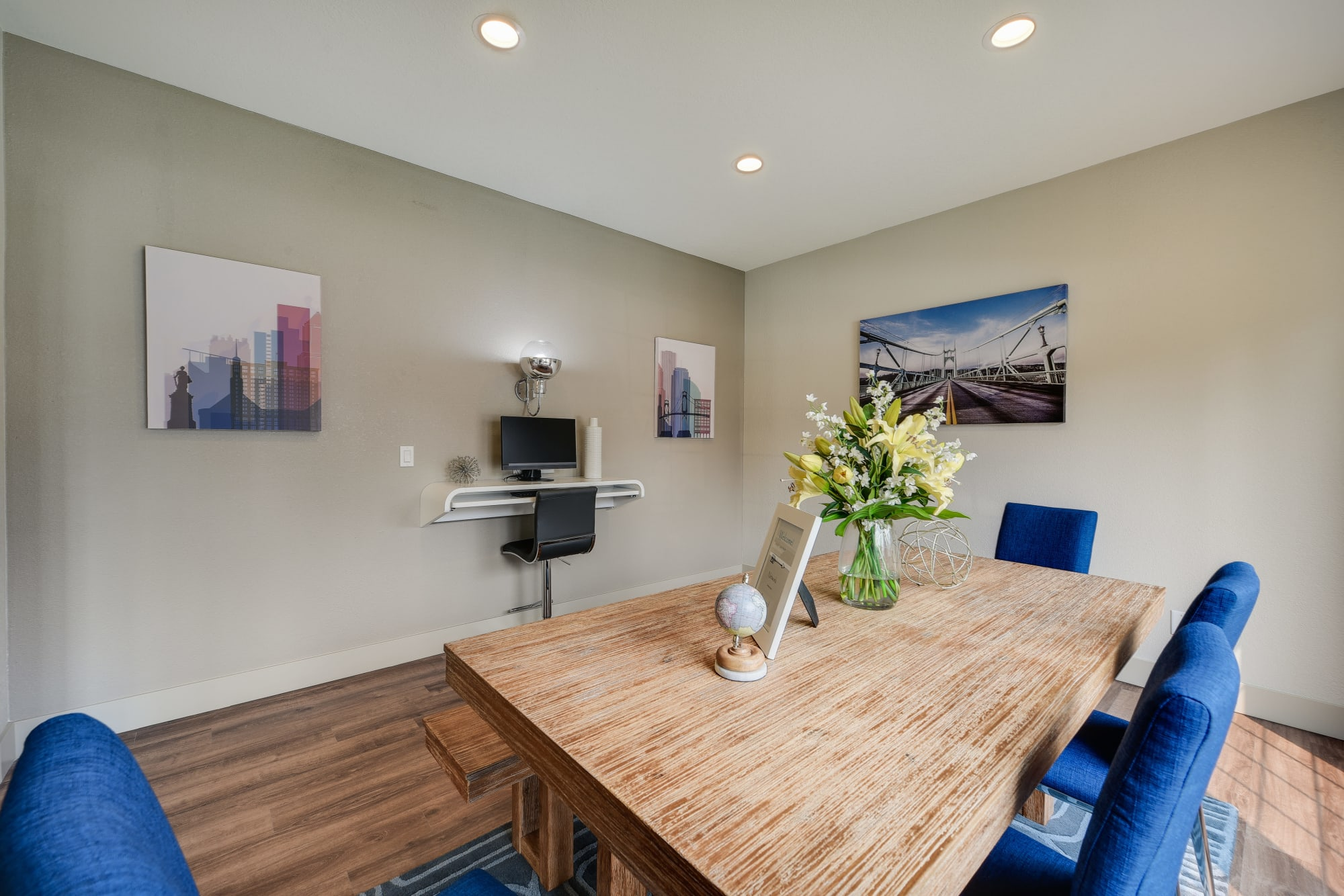 The business center at Carriage House Apartments in Vancouver, Washington