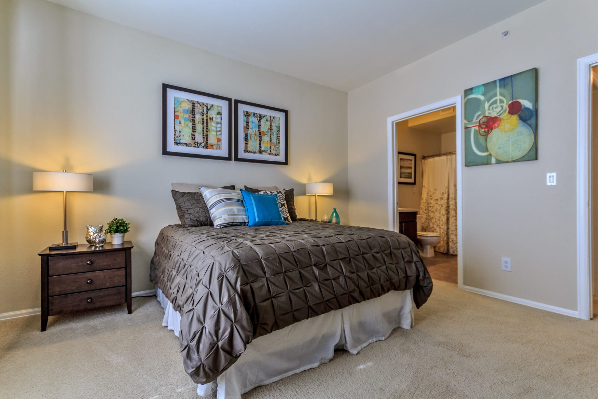master bedroom and over sized closet