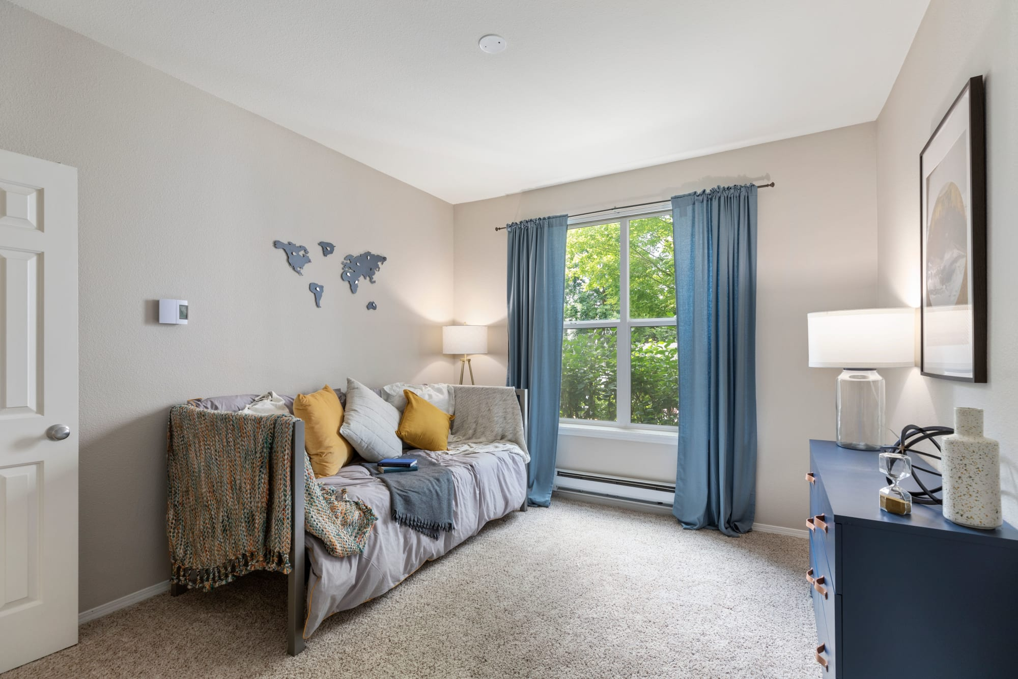 Guest bedroom at HighGrove Apartments in Everett, Washington