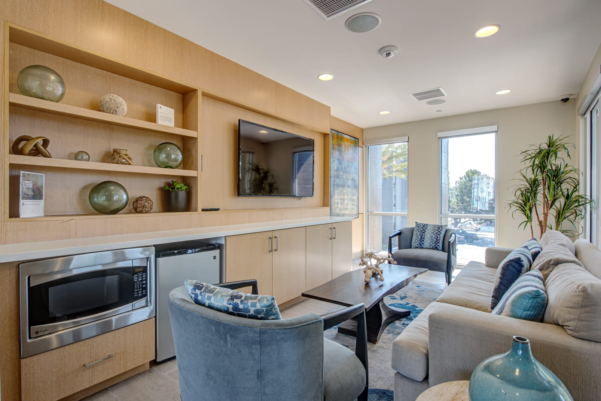 Relaxing community clubhouse at Harborside Marina Bay Apartments in Marina del Rey, California