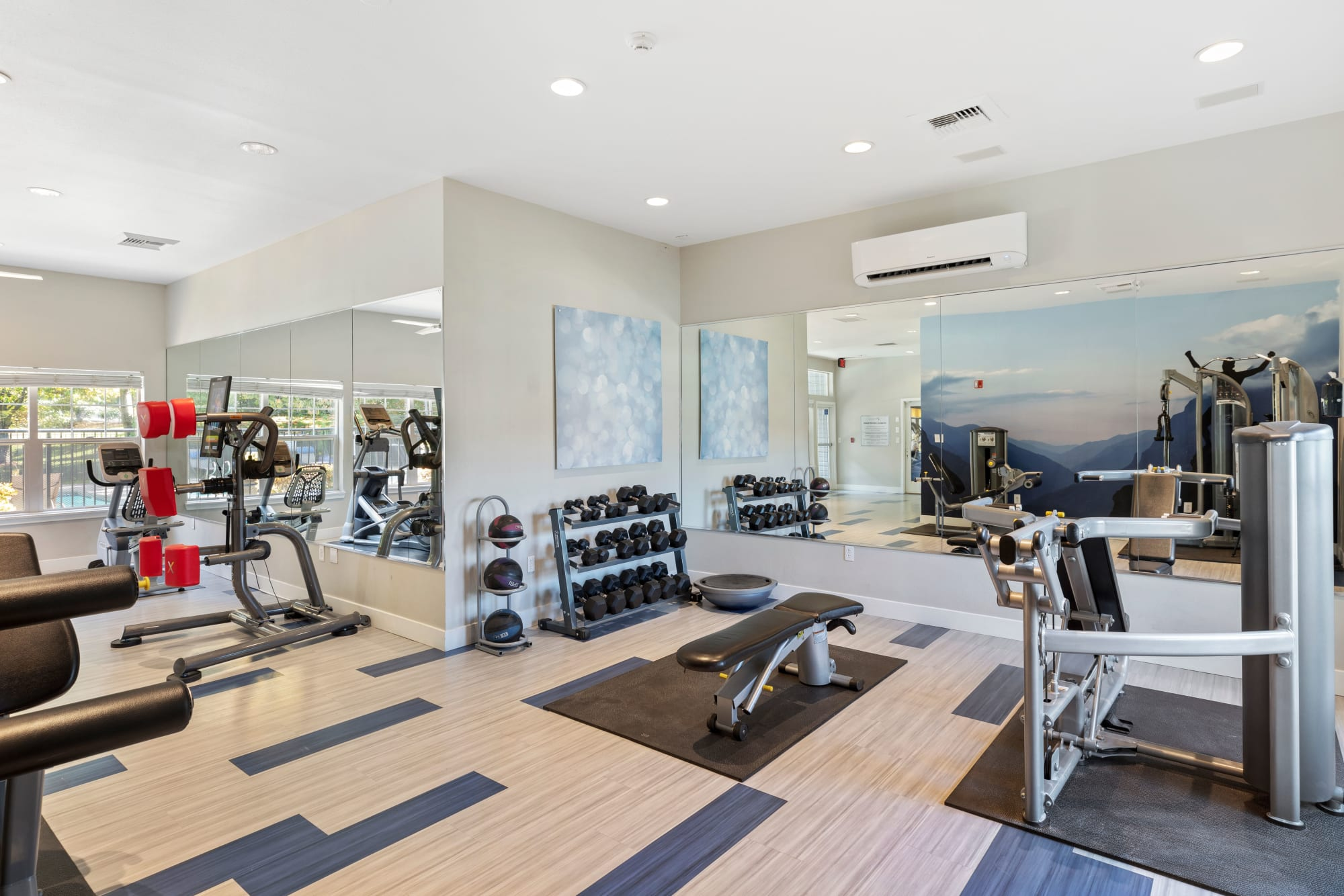 Pebble Cove Apartments with renovated fitness center in Renton