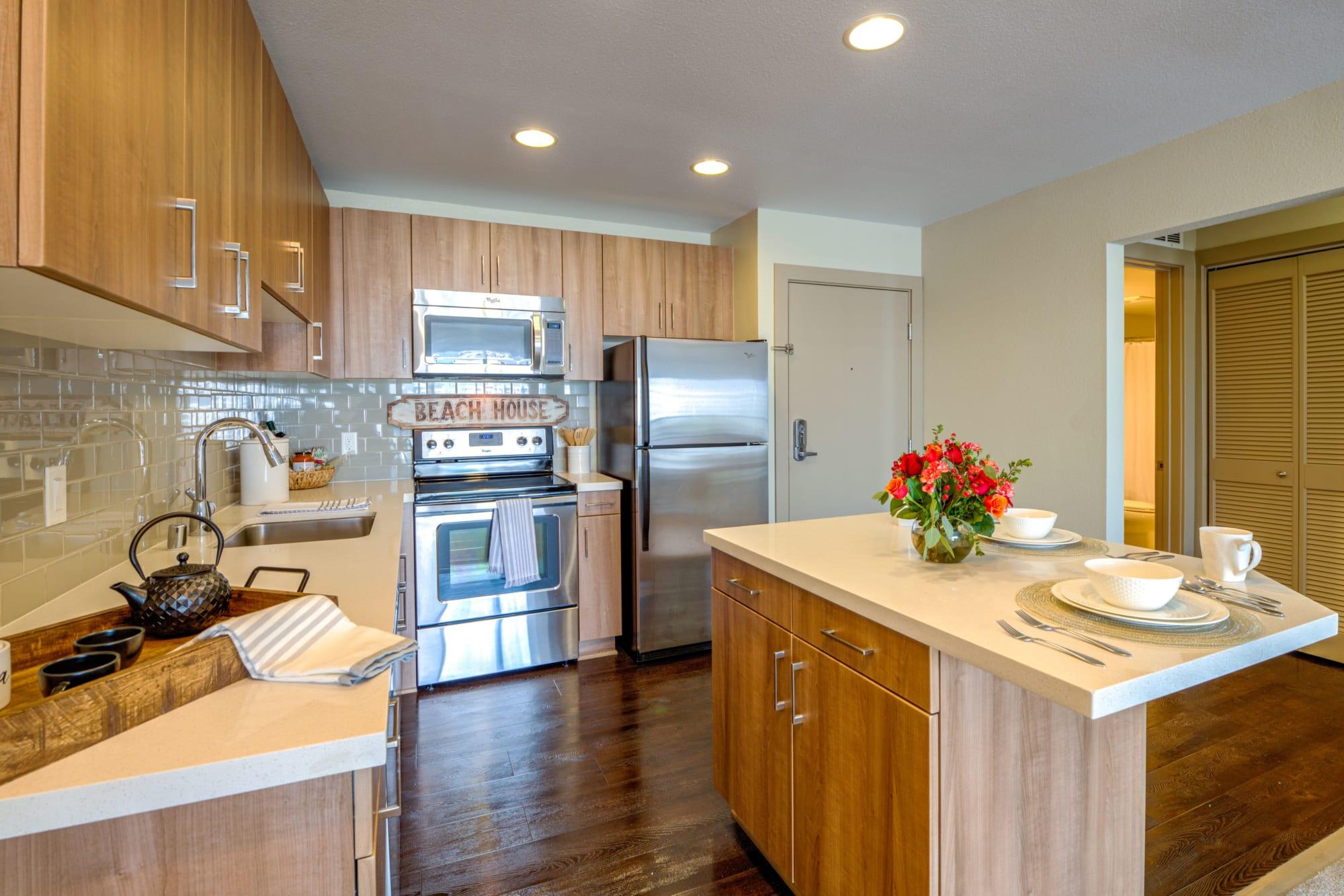 Spacious open floor plans at Harborside Marina Bay Apartments in Marina del Rey, California