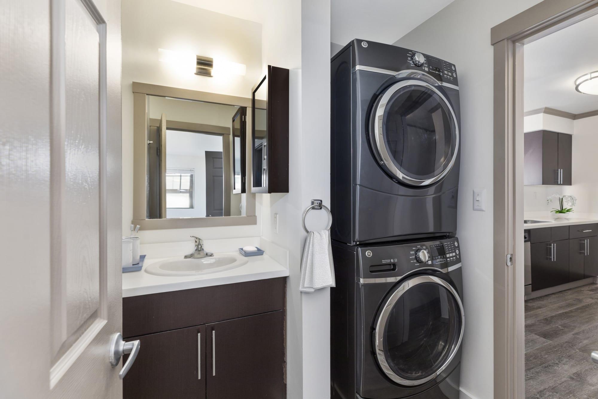 Washer/Dryer at Elan 41 Apartments in Seattle, WA