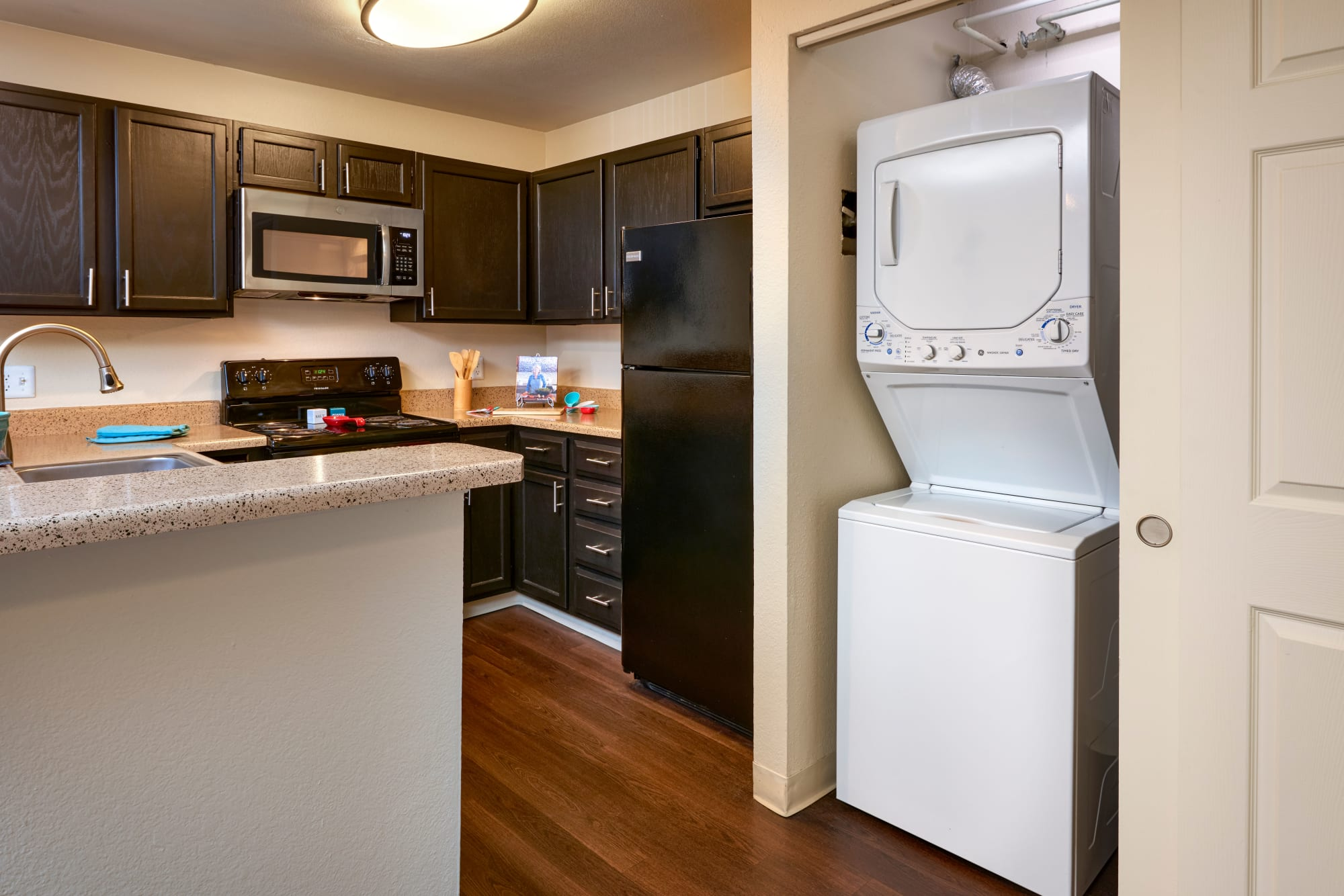 Washer/Dryer and Kitchen