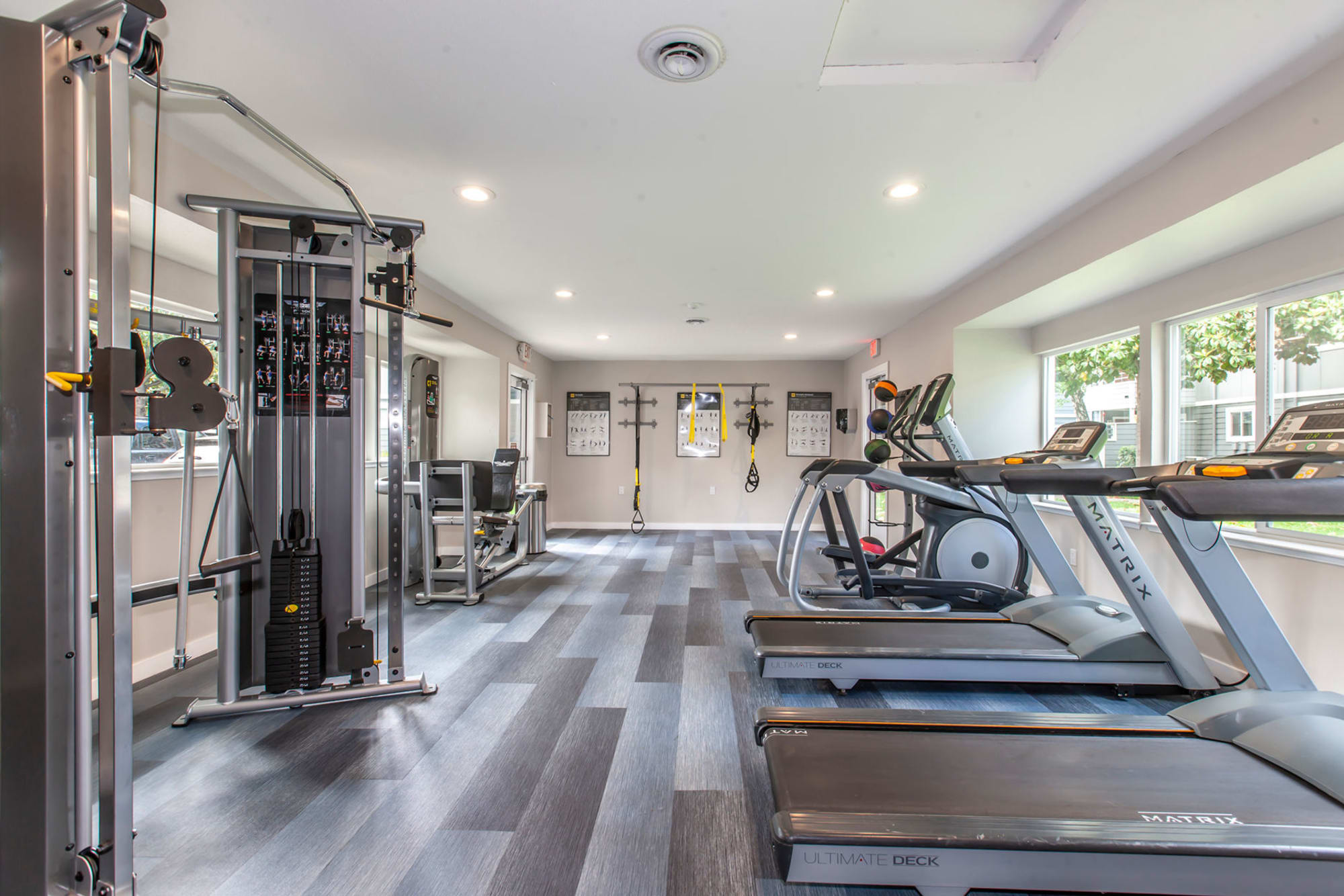 A fully equipped fitness center at Bennington Apartments in Fairfield, California