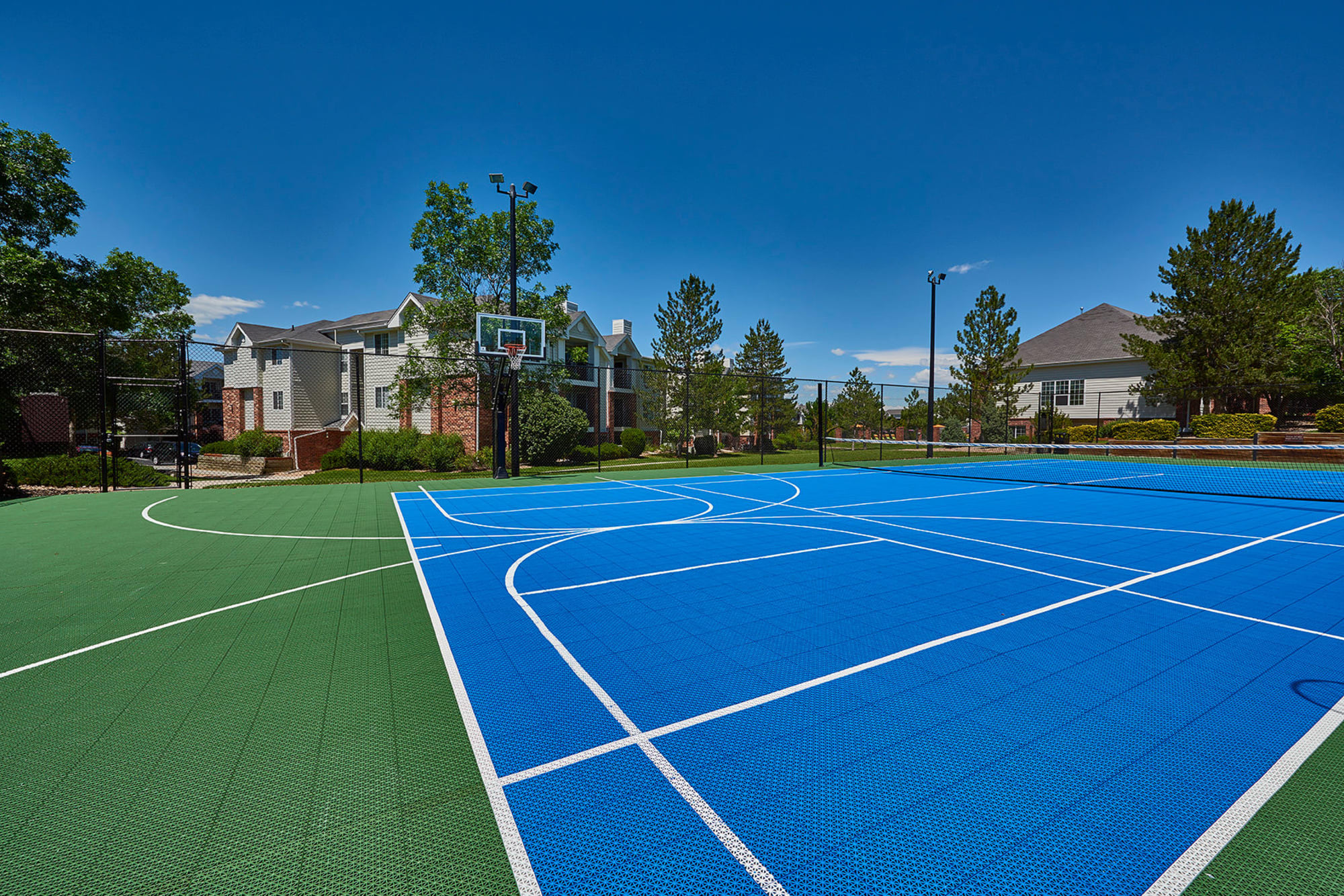 Basketball court at Villas at Homestead Apartments in Englewood, Colorado