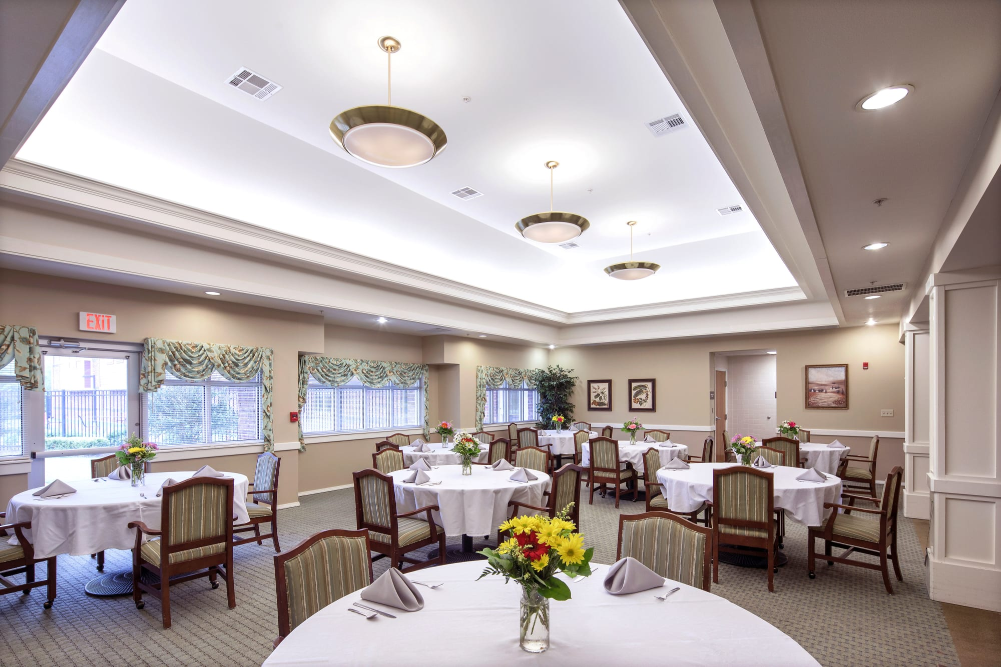 Lavish dining room at Canoe Brook Assisted Living & Memory Care in Catoosa, Oklahoma