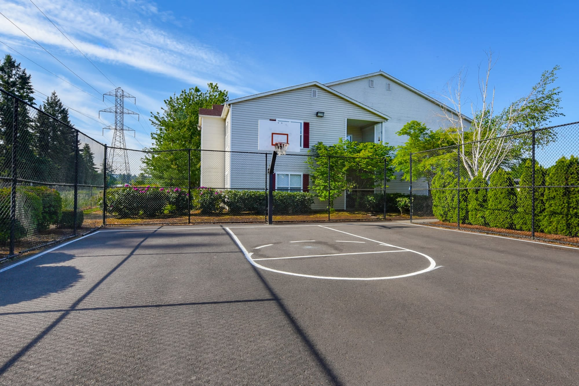 A basketball court at The Landings at Morrison Apartments in Gresham, Oregon
