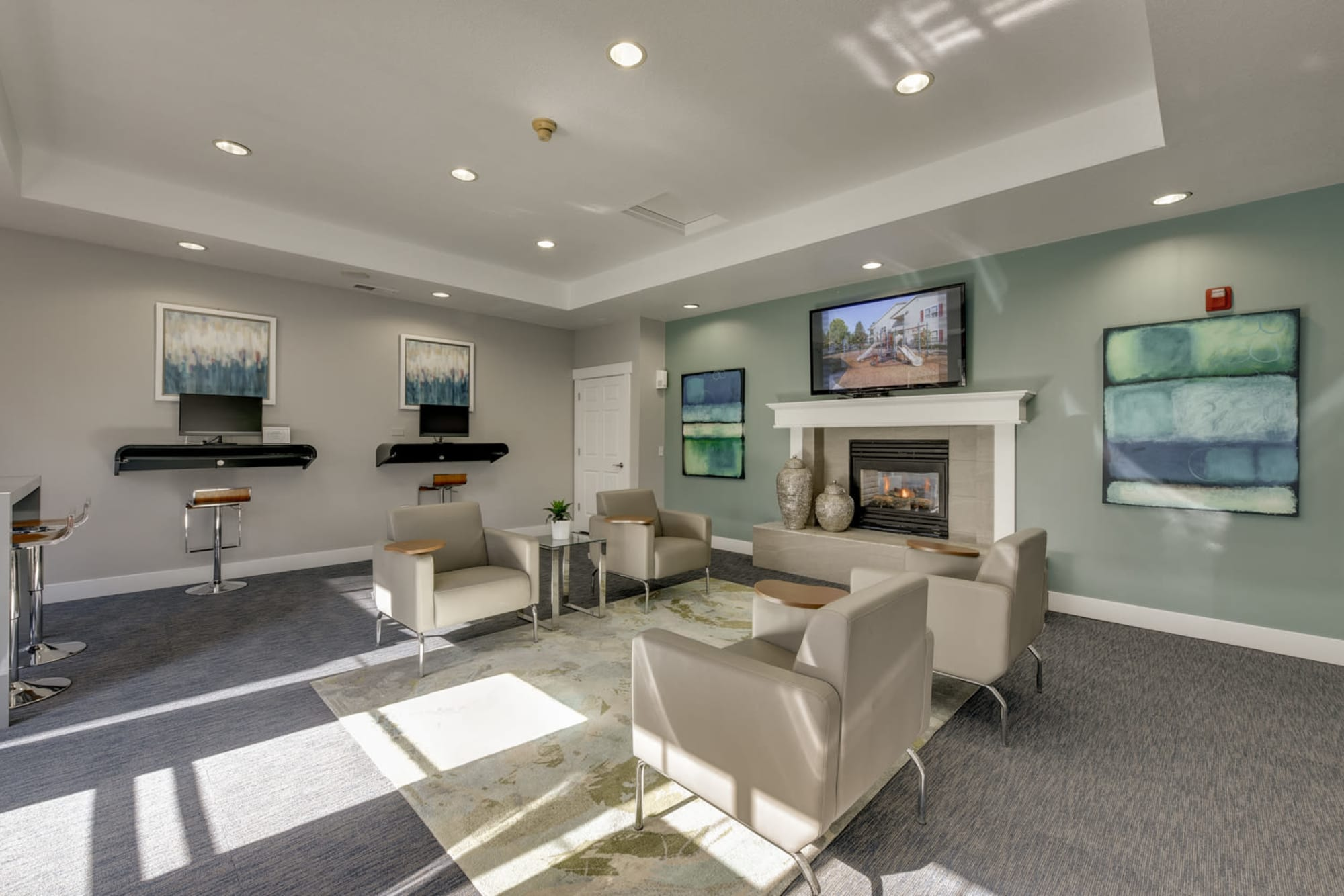 Business center at The Landings at Morrison Apartments in Gresham, Oregon