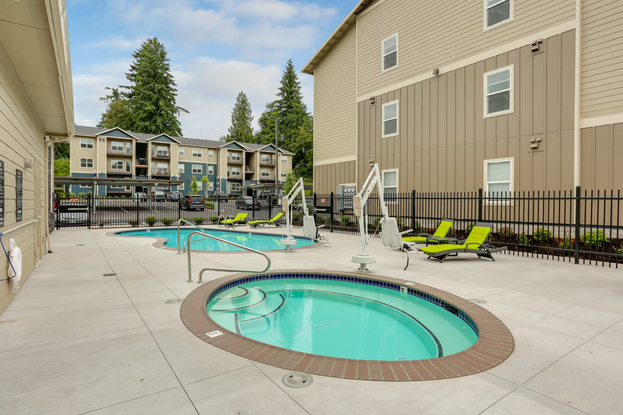 The cozy hot tub and relaxing swimming pool at Haven Hills in Vancouver, Washington