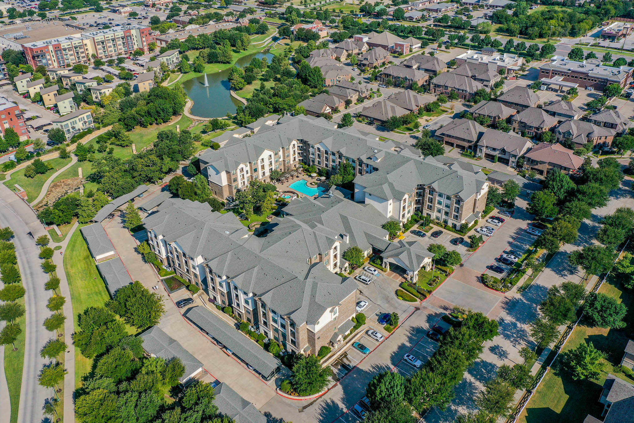 Exterior view of the entrance to our wonderful senior living community in Keller.