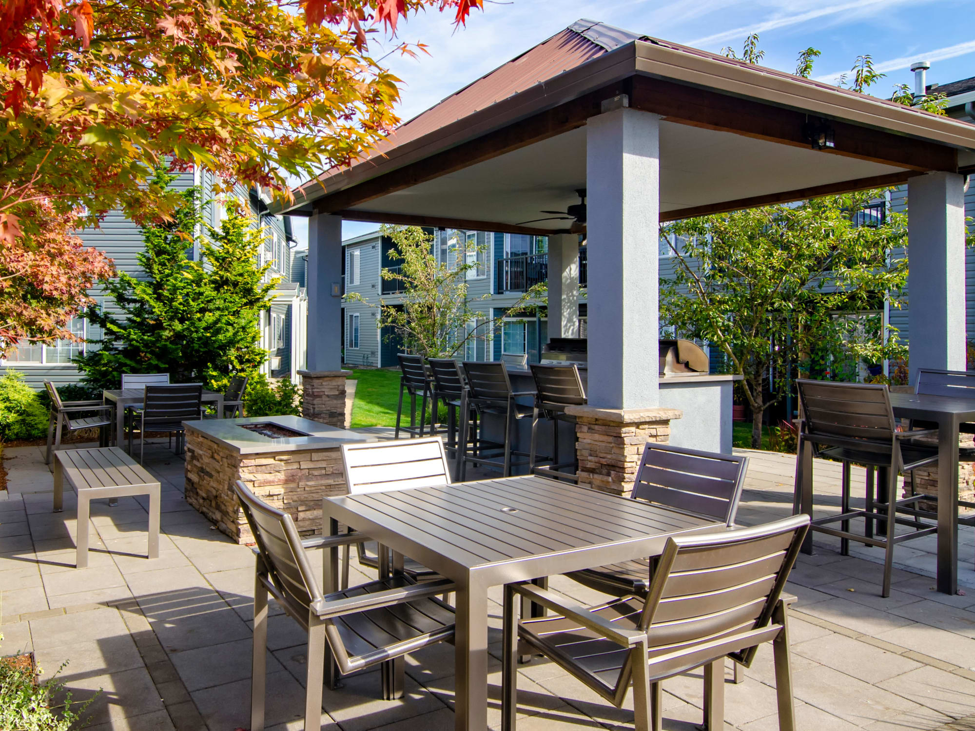 covered outdoor BBQ area with fire-pit in Vancouver, WA