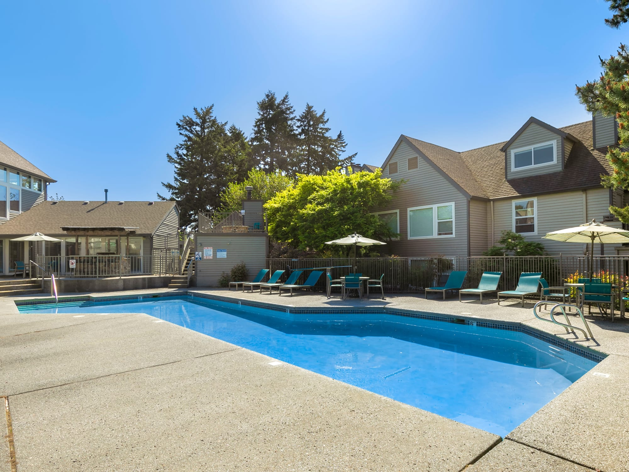 Poolside view with lounge area in Vancouver, WA