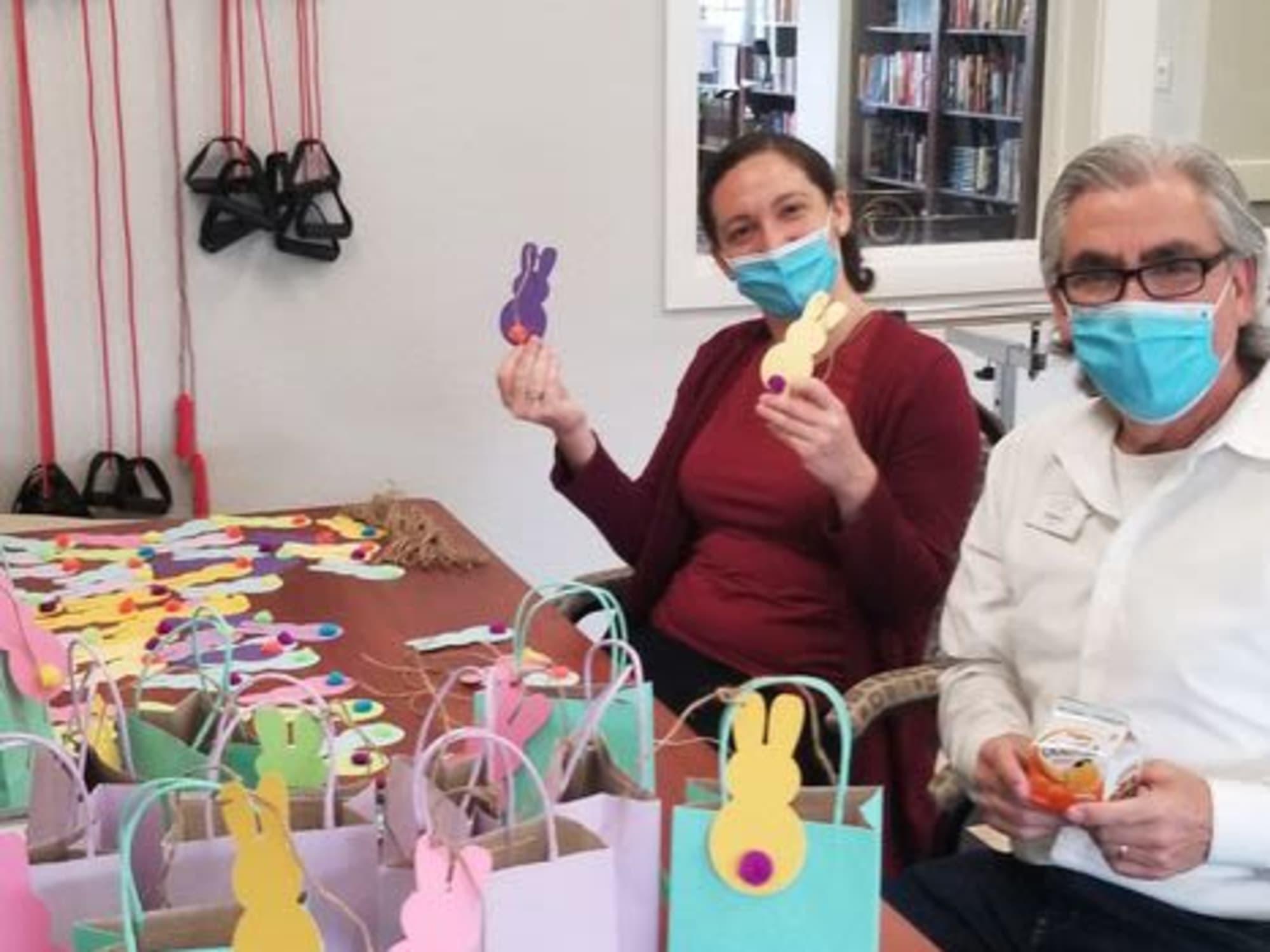 Residents having fun at Almond Heights in Orangevale, CA