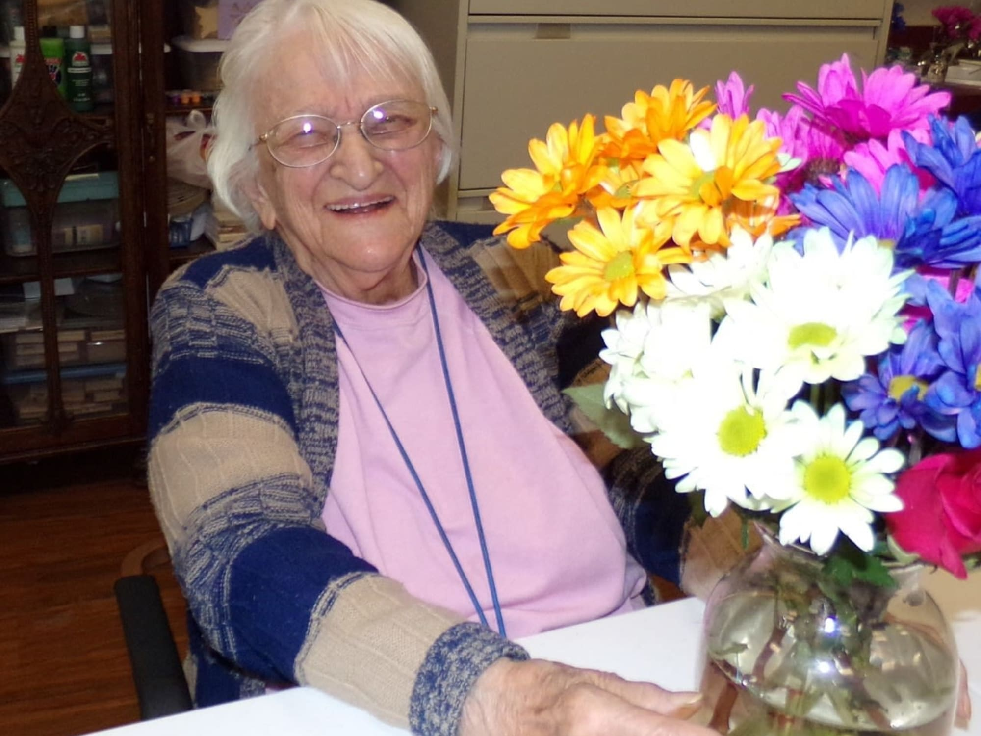 Vase of flowers at The Inn at Greenwood Village in Greenwood Village, Colorado
