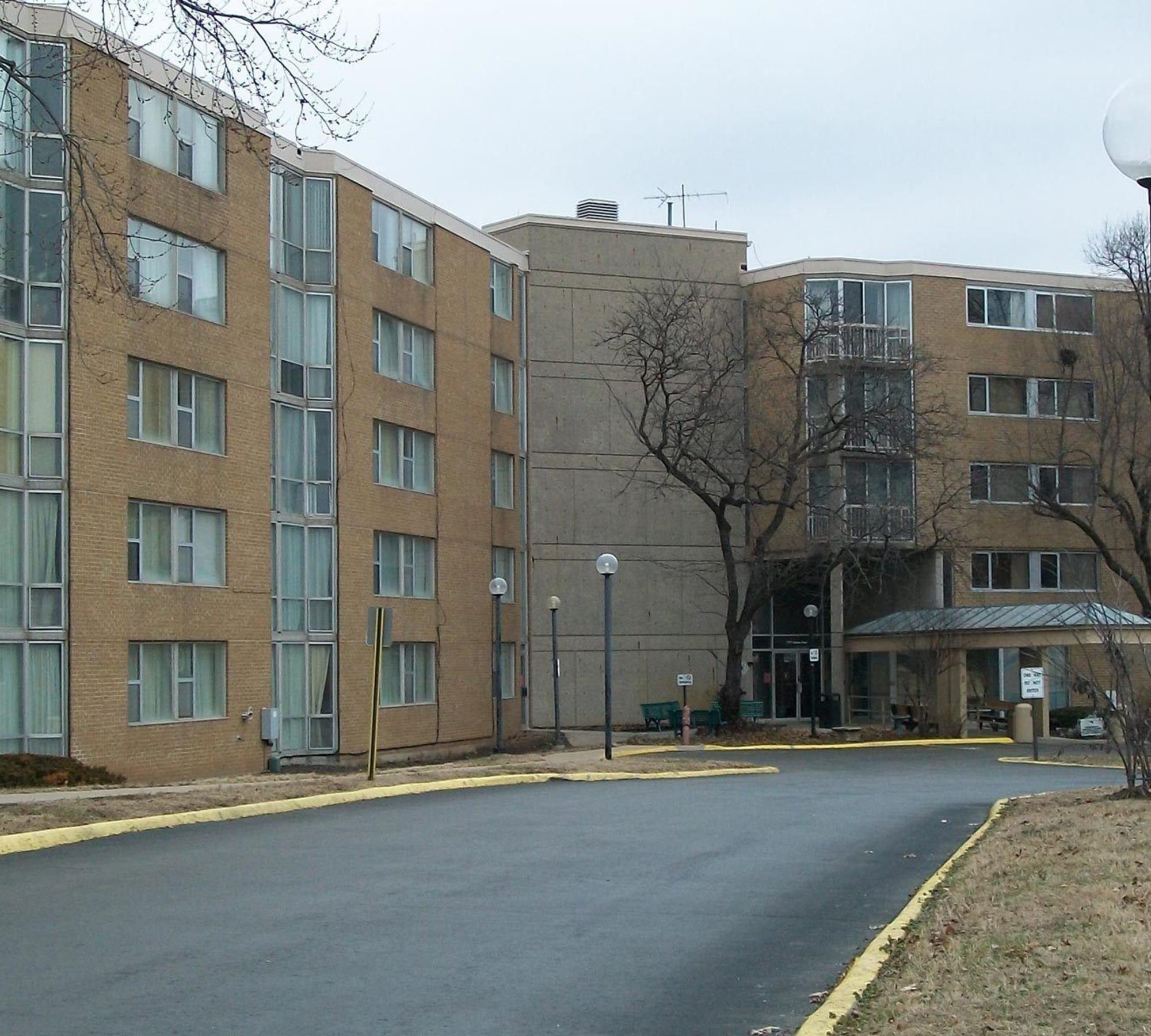 Local Cheap Apartments: South Kansas City, MO Senior Apartments For Rent