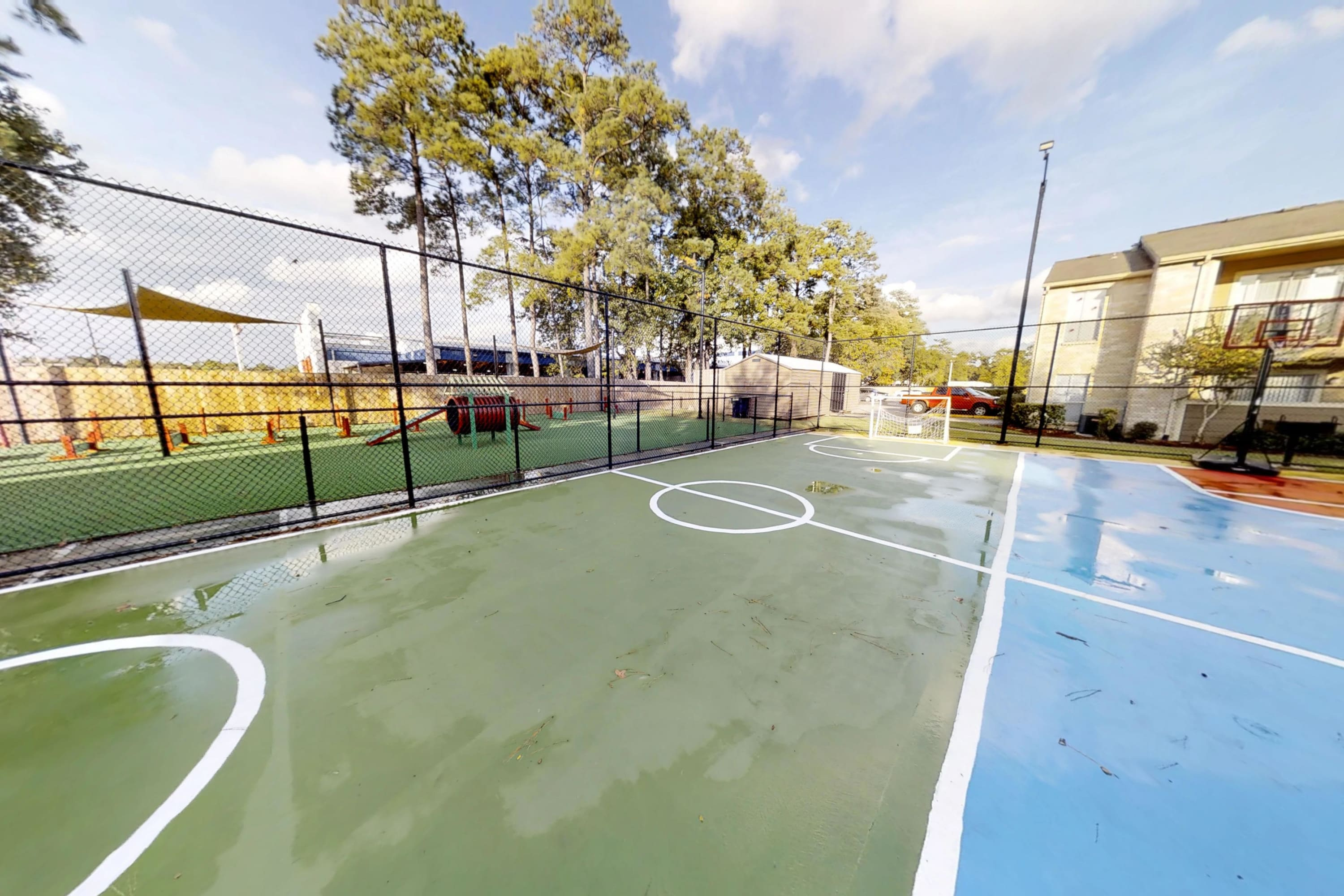 Sport court at Parkside Apartments